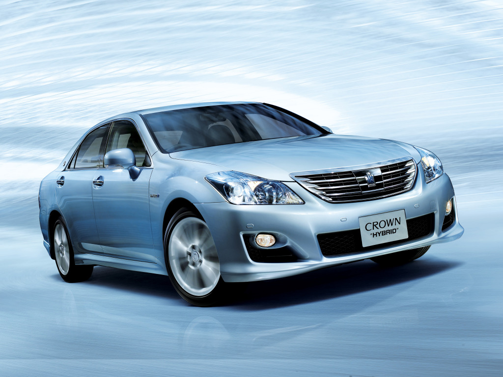 toyota crown hybrid #10