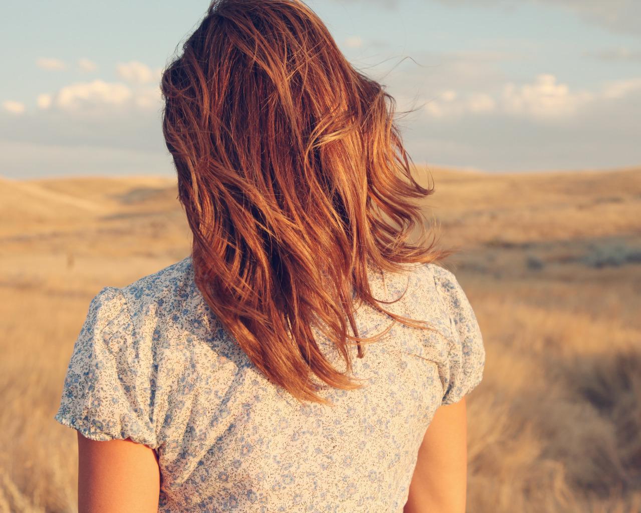 Фото девушек рыжих со спины на аву в контакт