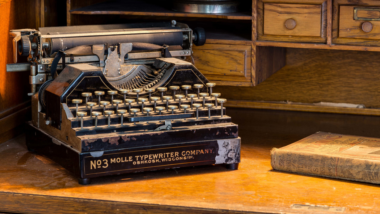 обои для рабочего стола печатная машинка № 1409197 бесплатно