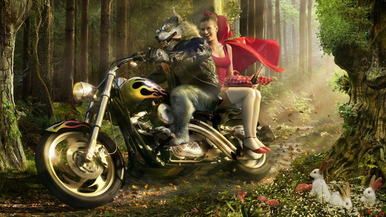 Красная шапочка на мотоцикле