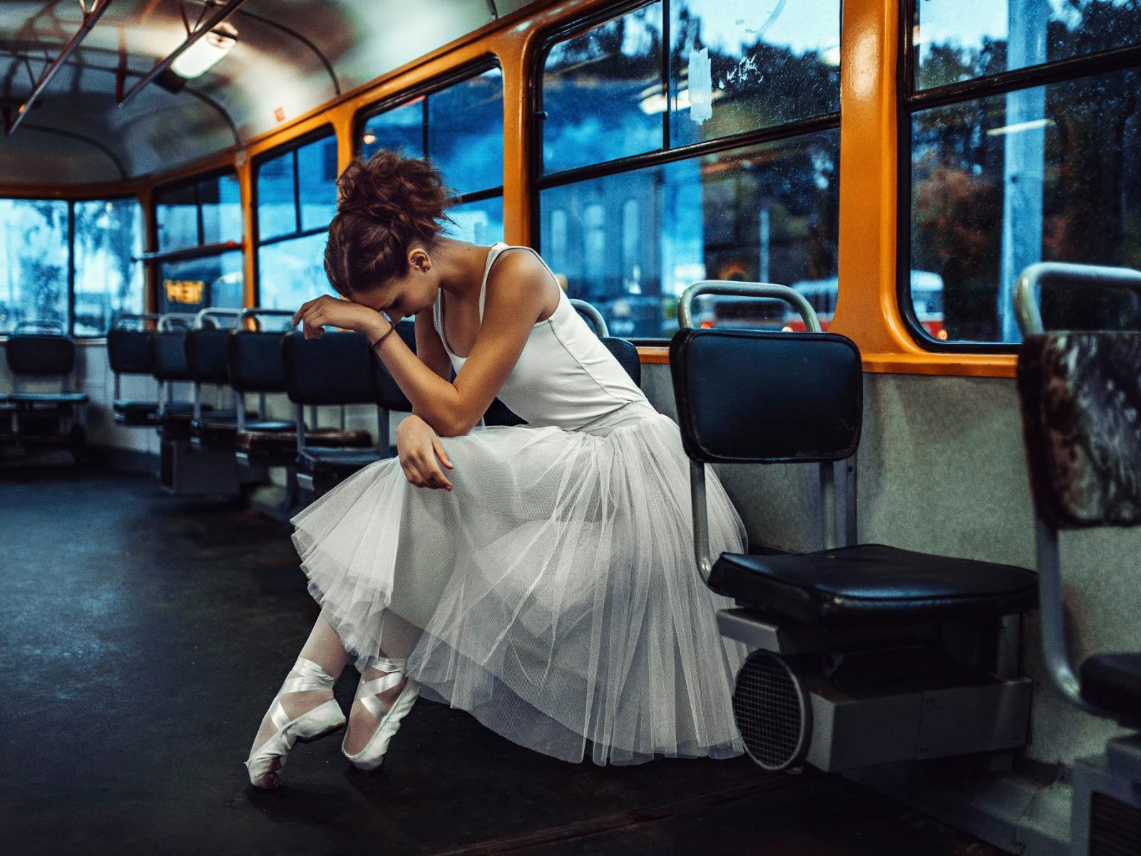 картинки еду в трамвае