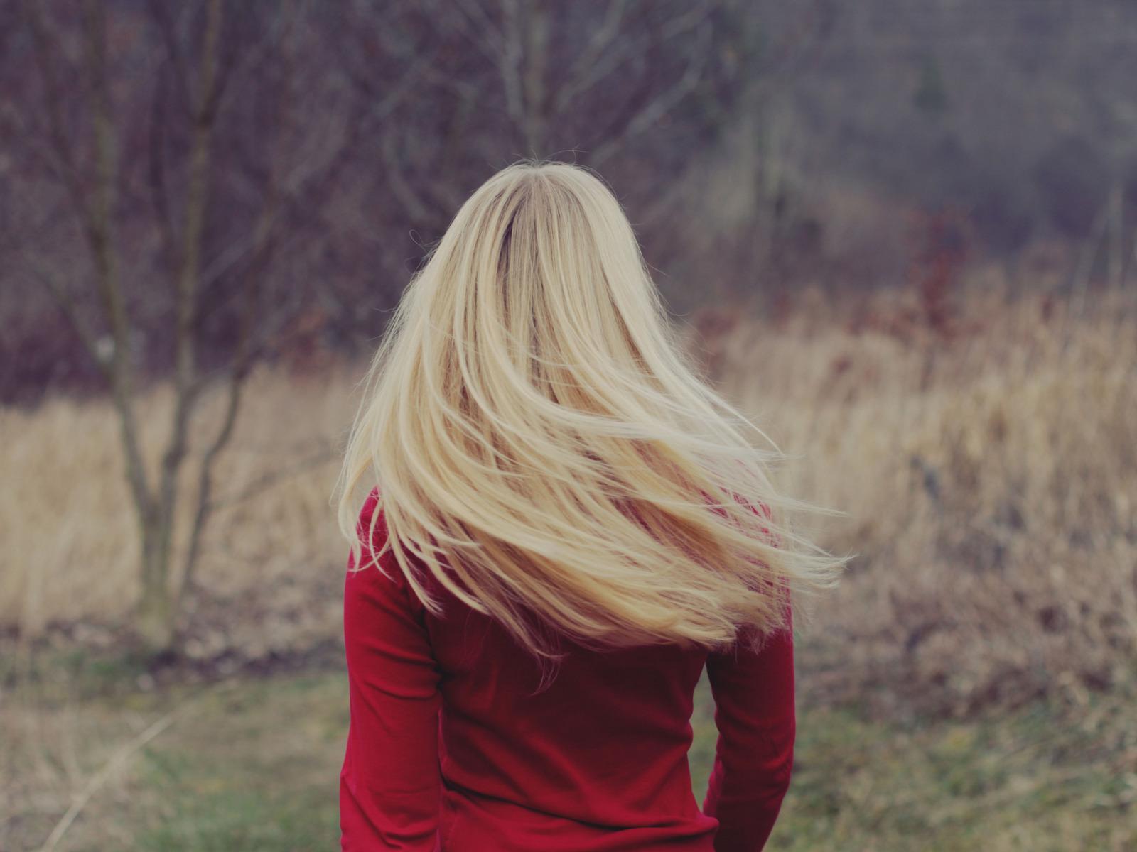 Фото блондинок без лица зимой на аву