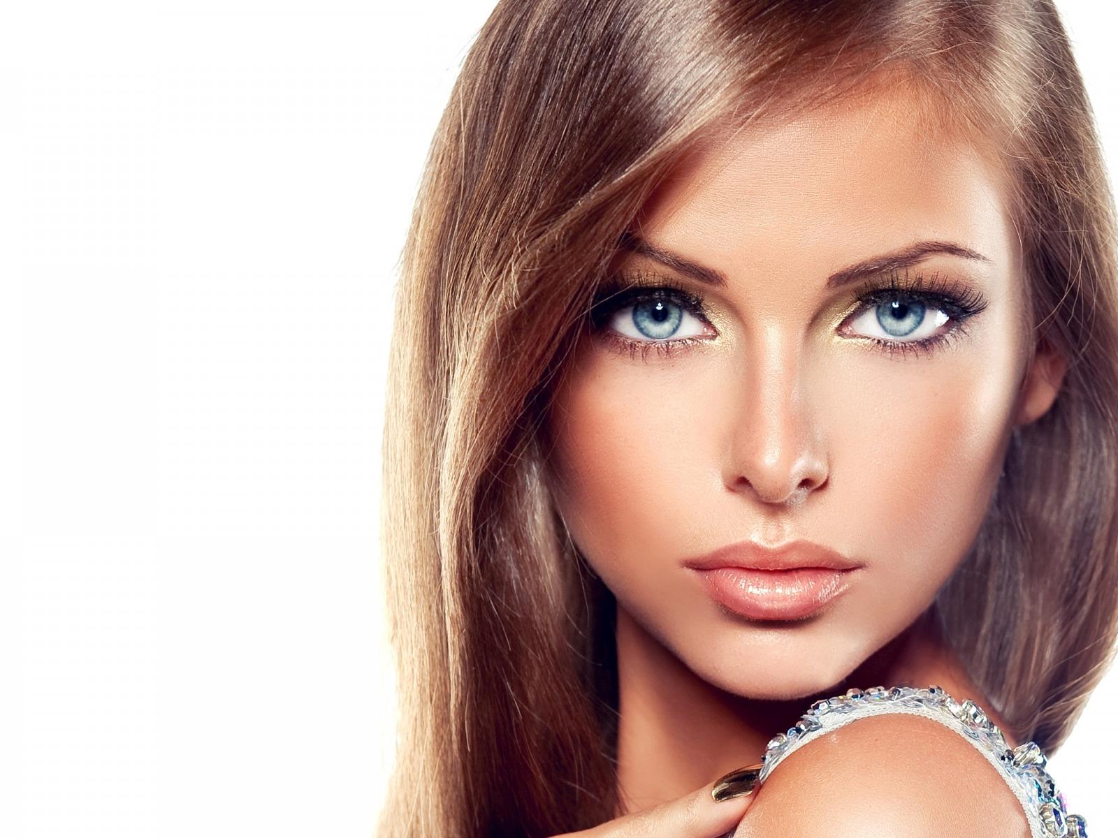 Моделью для макияжа быть красивой