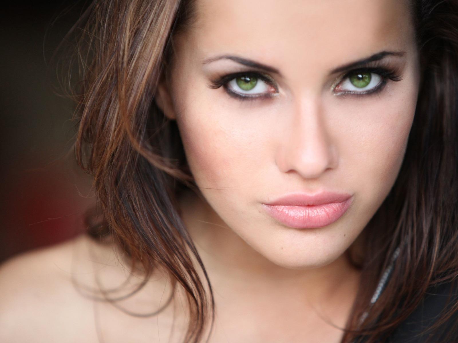 завершении серо зеленые глаза фото женские исторических