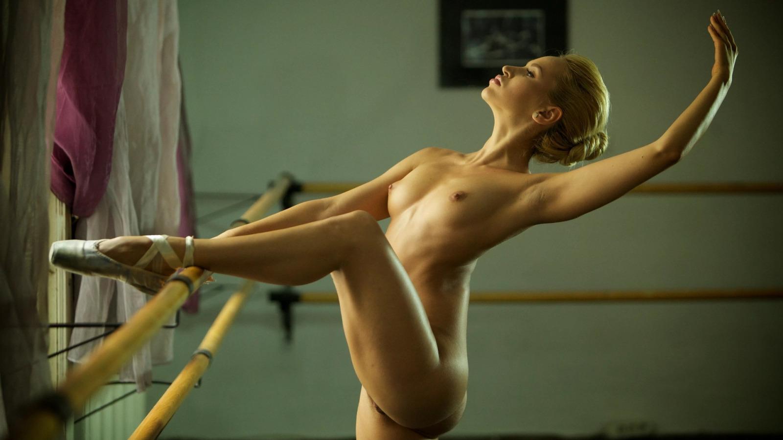 Лучшая эротика голые балерины