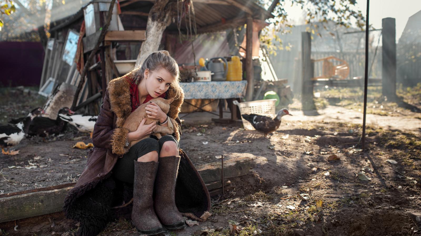 Блондинка села на фото 309-311