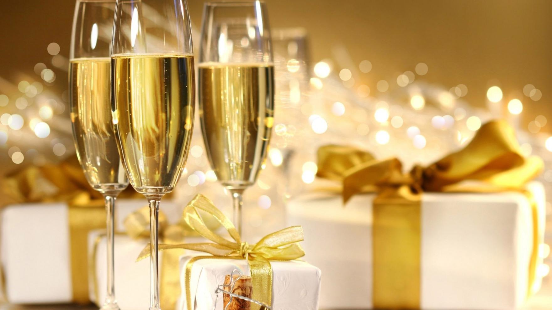 новогодние поздравления за столом что полезное новое