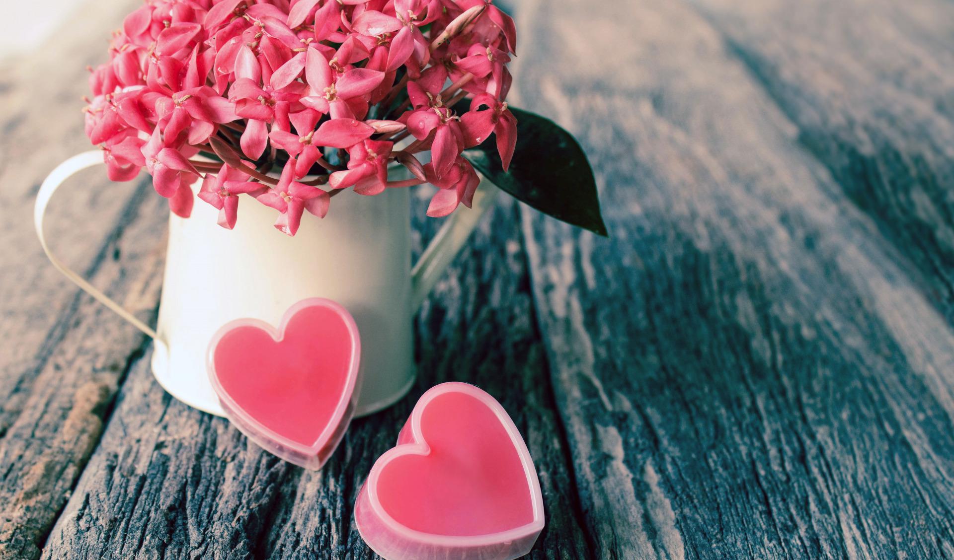 стараемся постоянно красивые картинки с цветами и сердечками любят