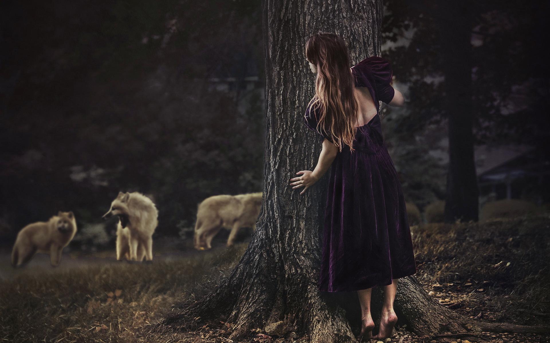 видео девушка убегает от парня в лесу тряслись