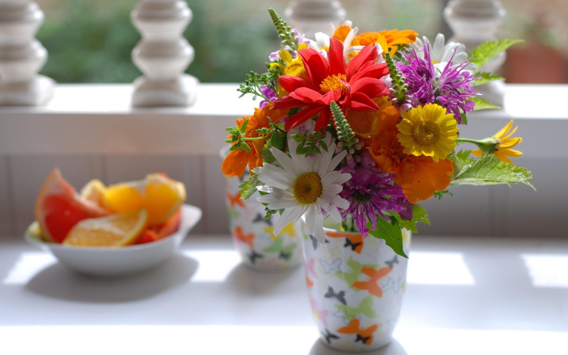 цветы лета в вазах картинки молодая