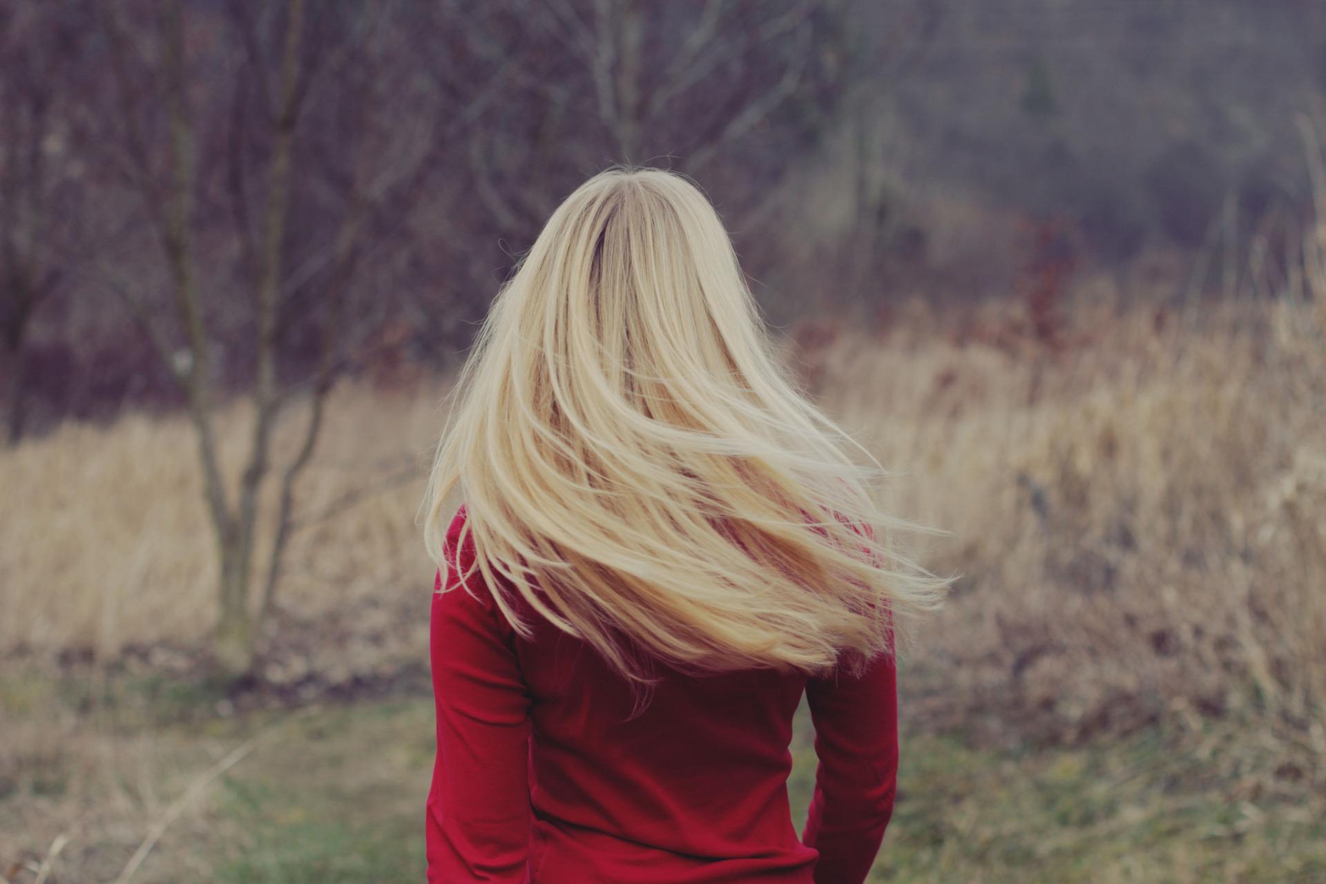 Девушки блондинки со спины без лица фото
