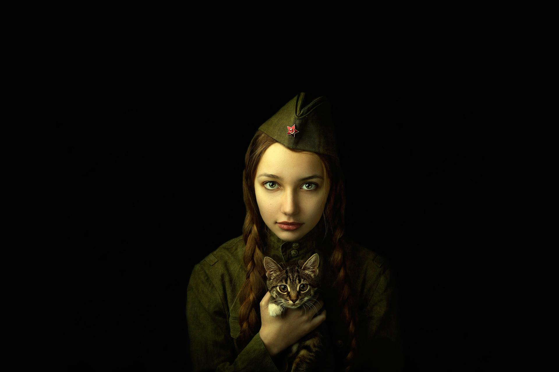 Рисованные девушки в военной 25 фотография