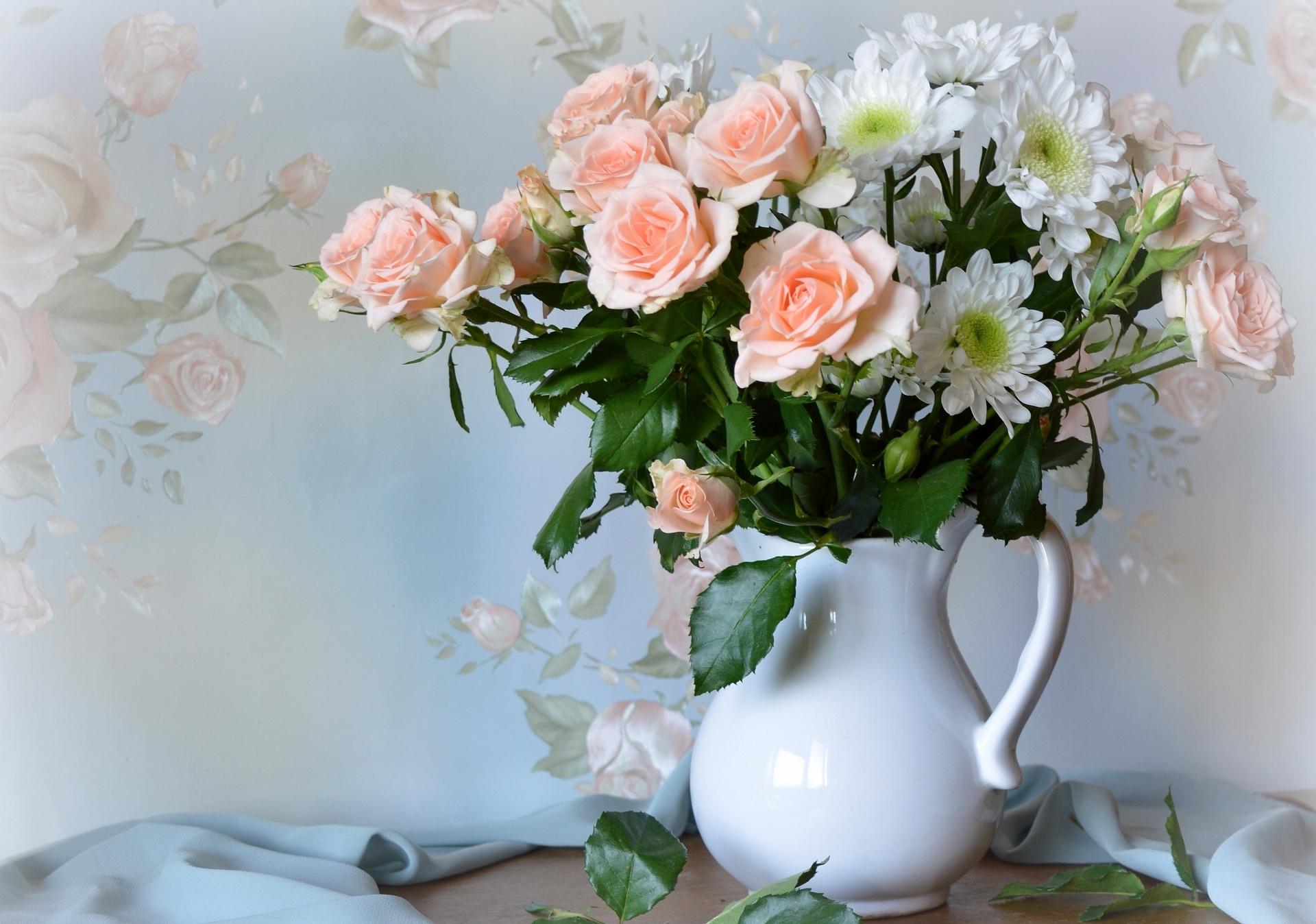 коттеджей букет из роз в кувшине время это