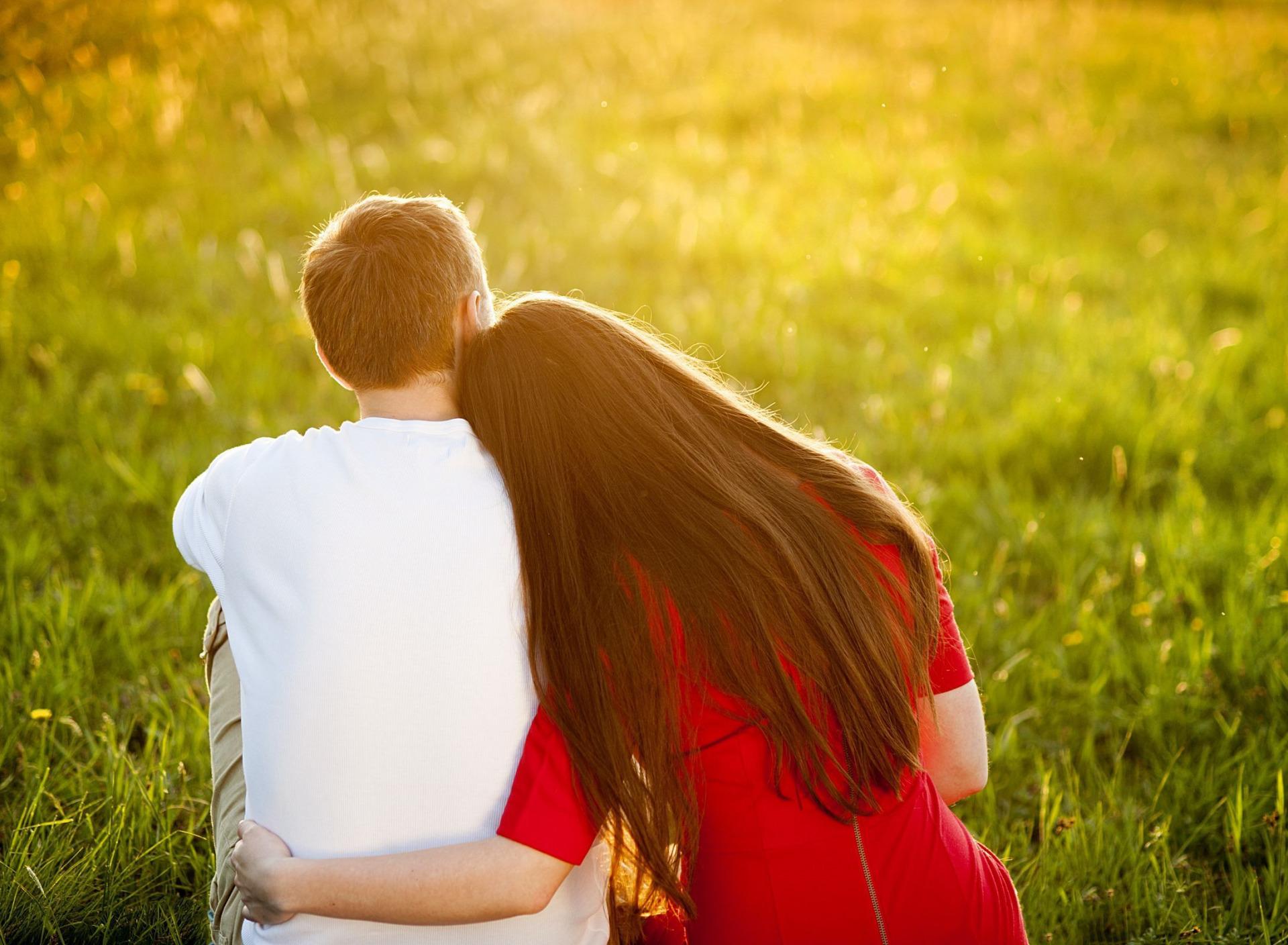 Картинка парень с девушкой, утро