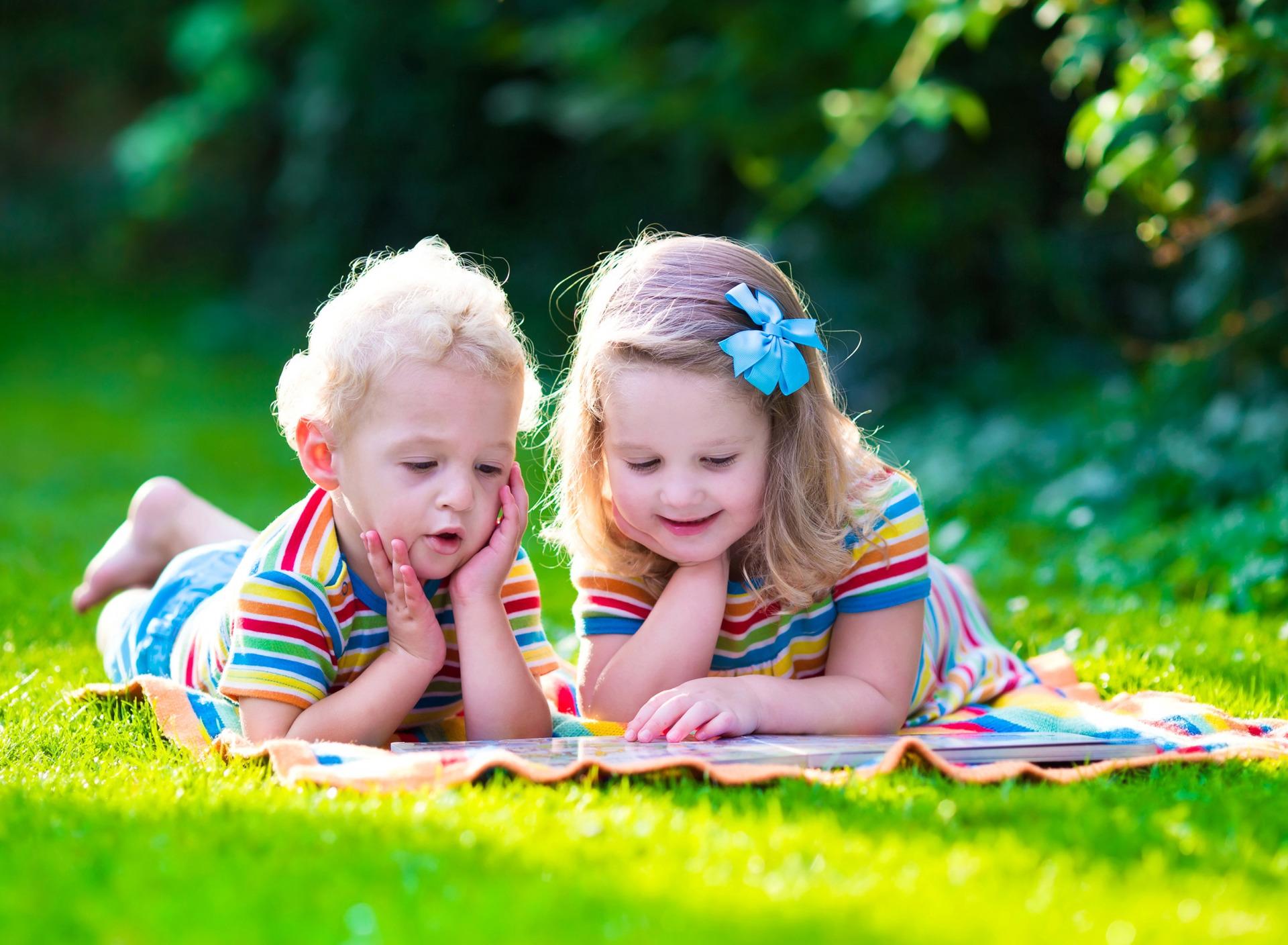 Счастливые маленькие дети картинки