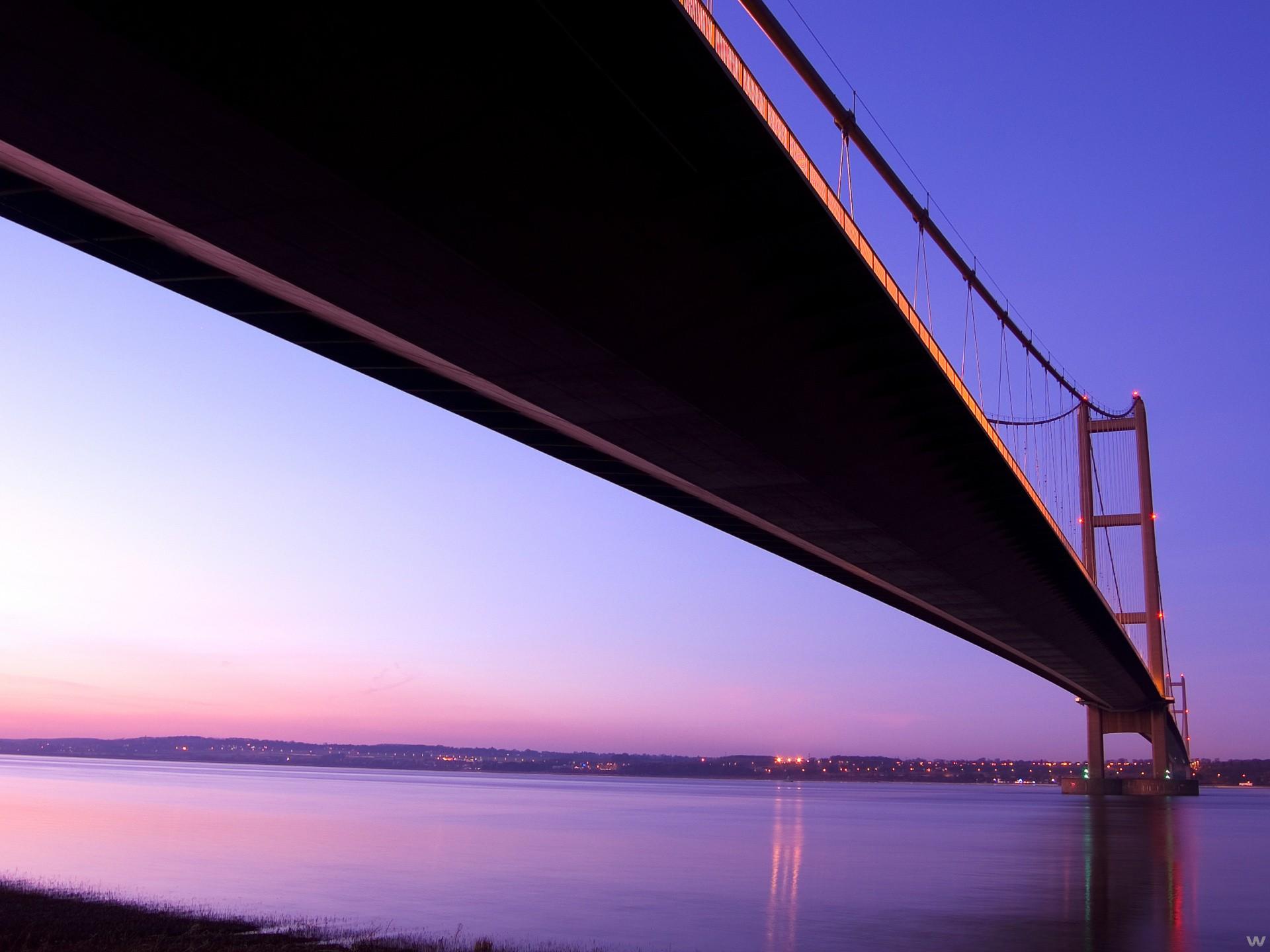 Город мост через реку  № 3713149 бесплатно