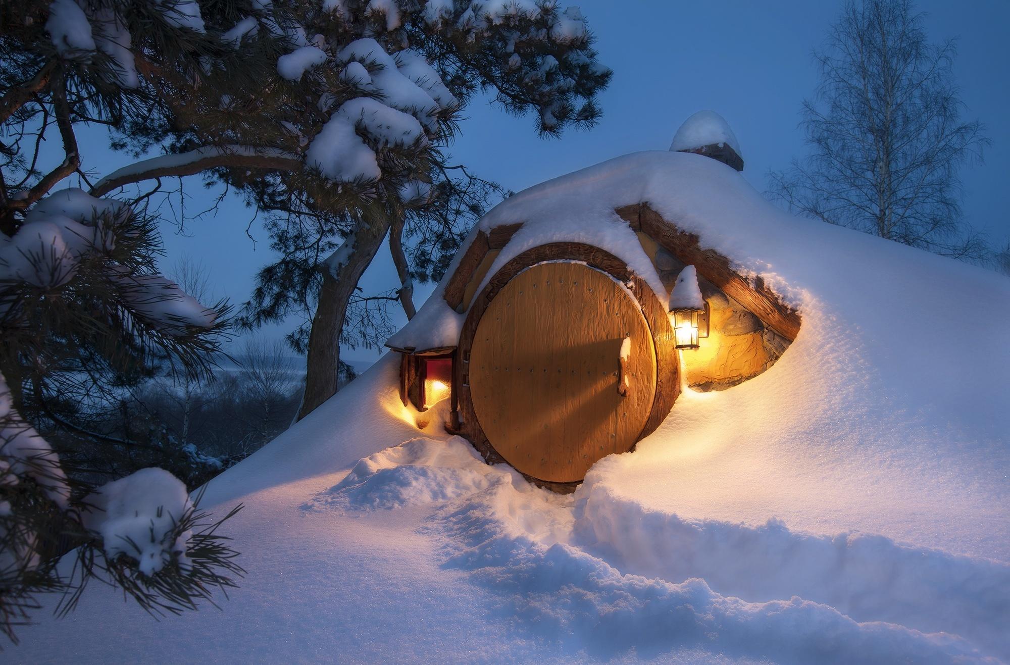 лопнут все фото домик под снегом видео отличной