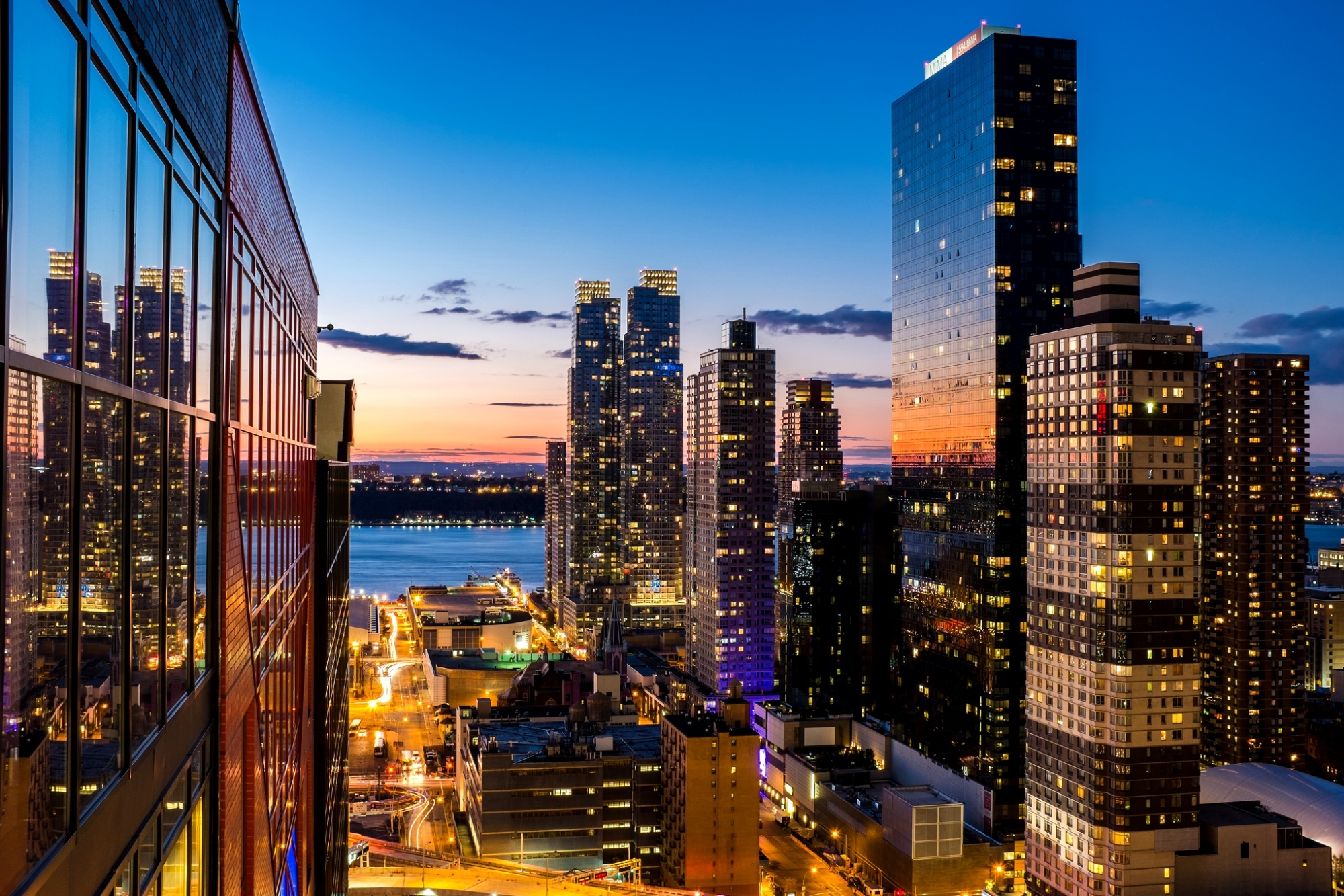картинка мегаполис из окна выбрать межресничный