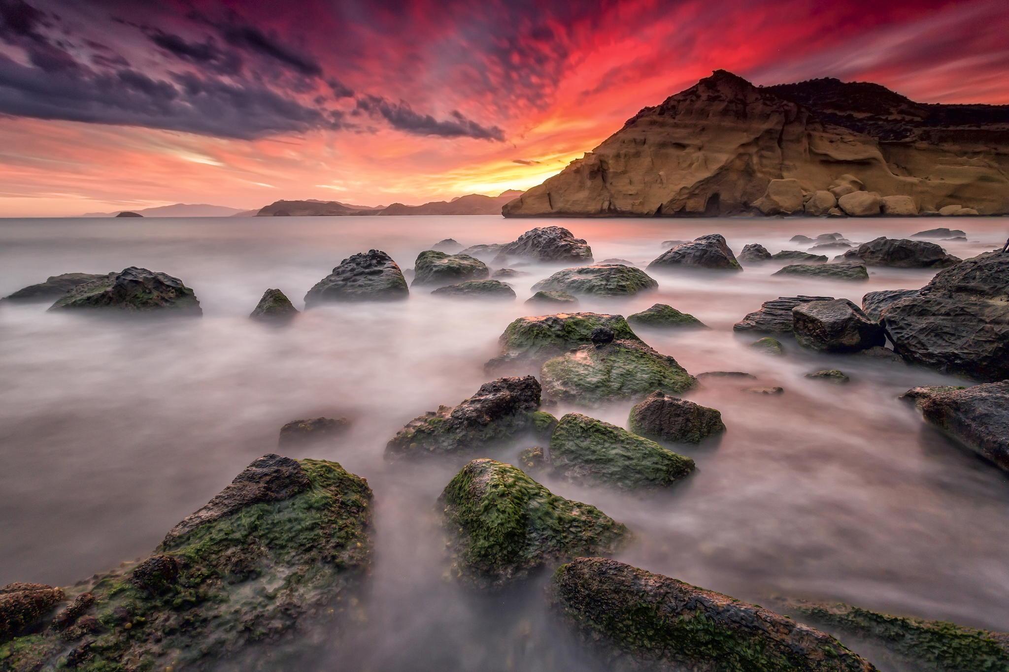 закат море горы скалы  № 1291168 бесплатно