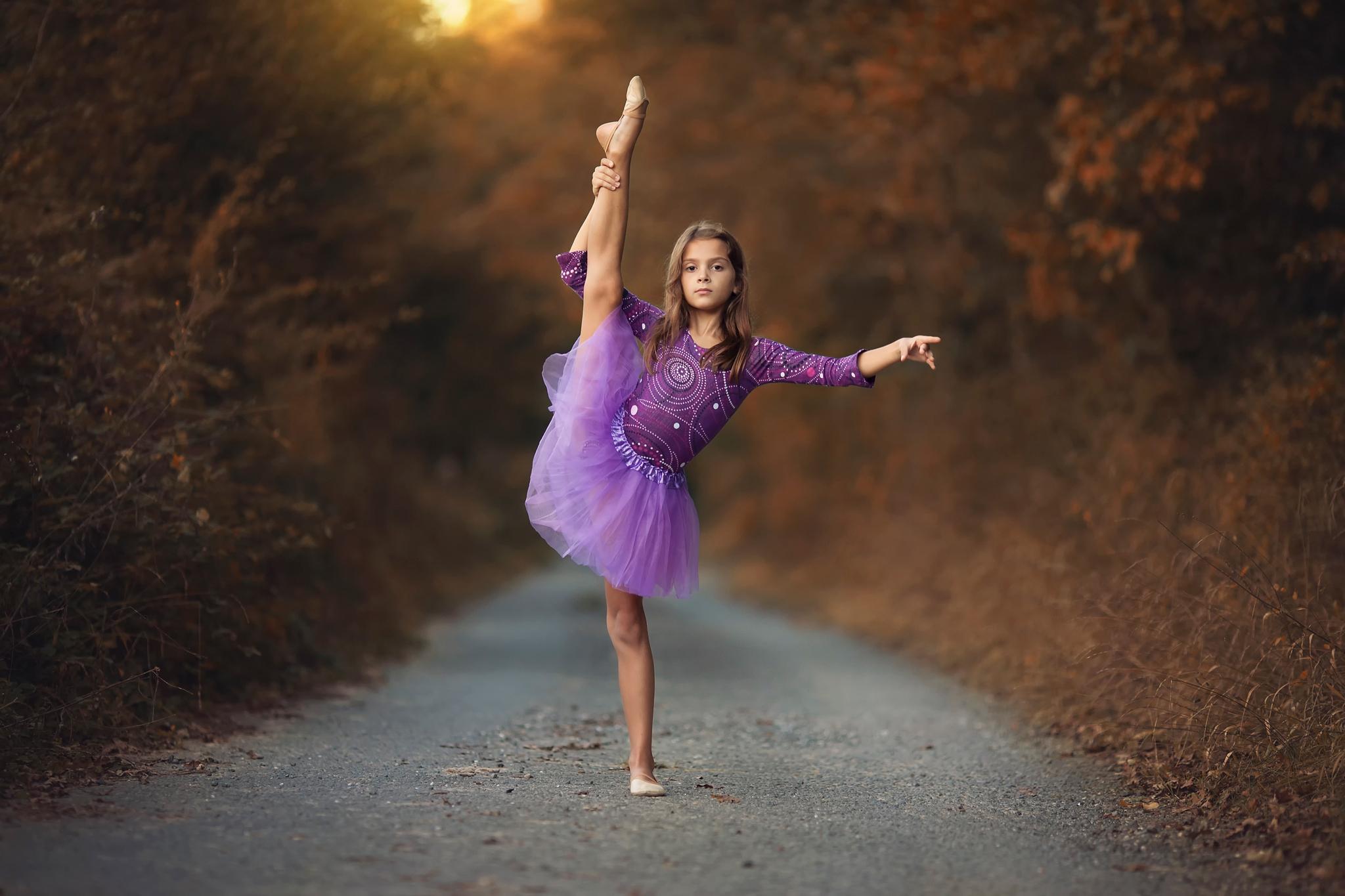 Картинки танец девушки, новогоднее