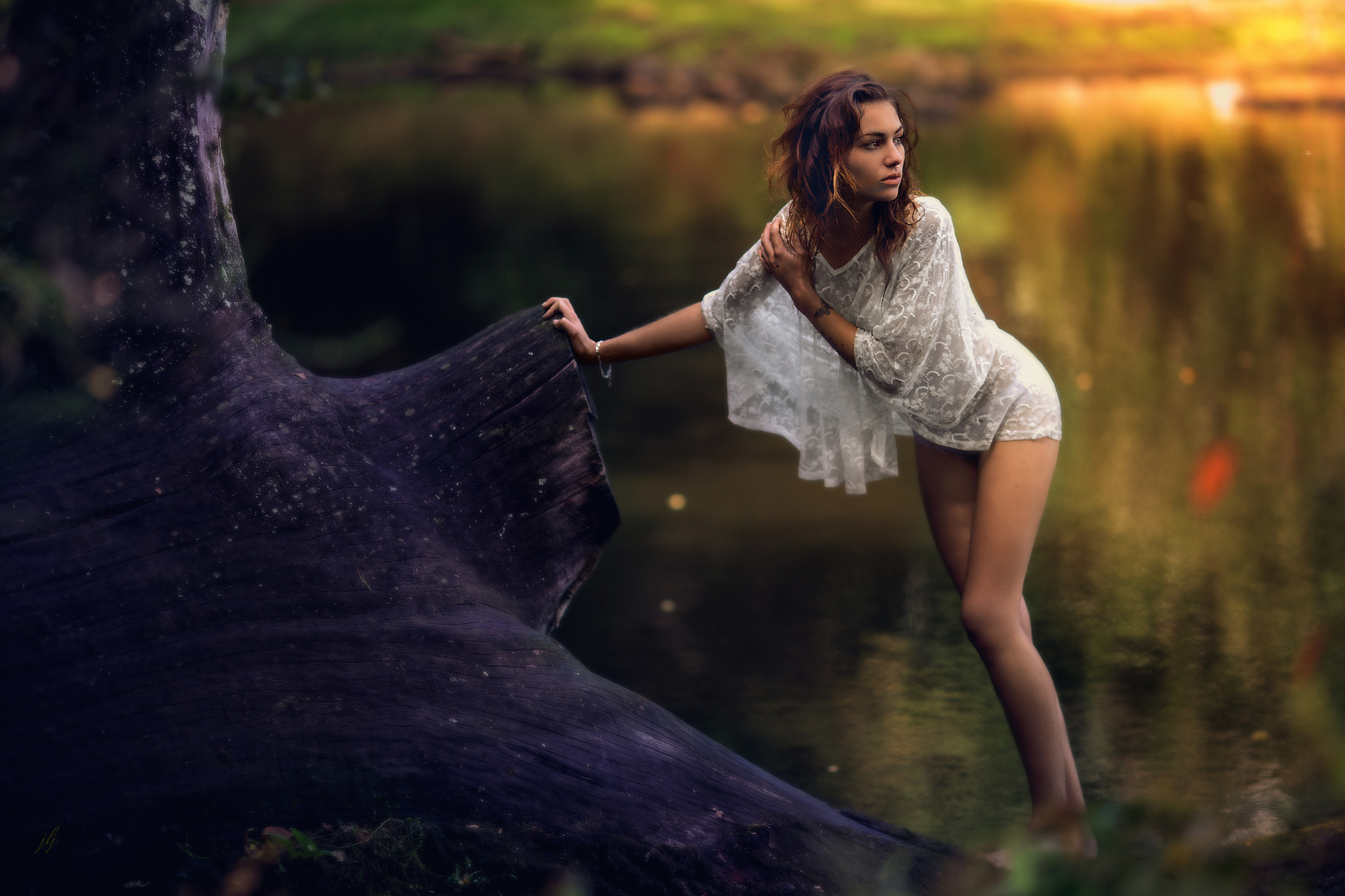 фото девушки у воды замужем два года