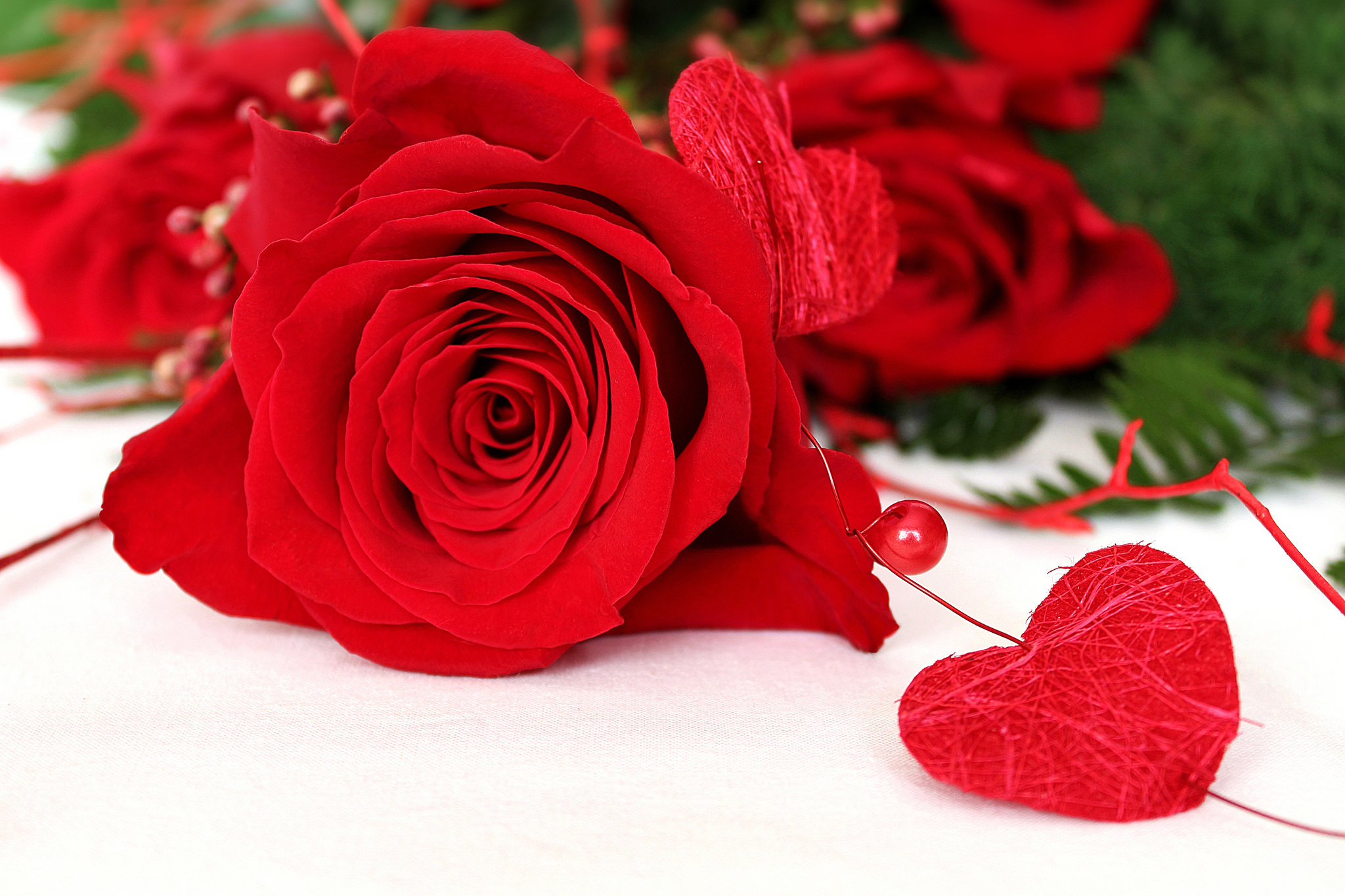 Картинка розы с сердечками