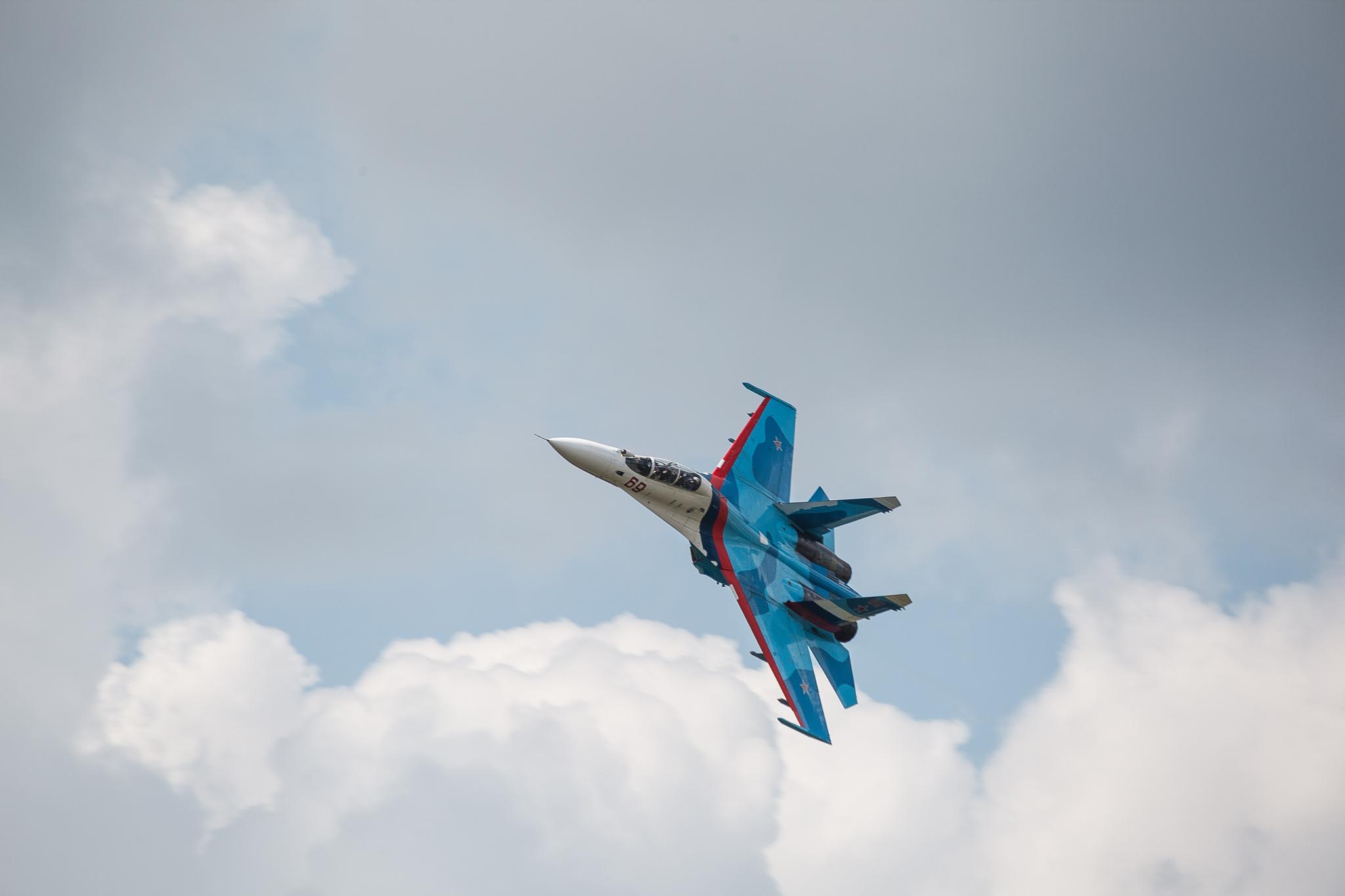 слухи, что фото истребителей россии в небе стоит цевье, закручивается