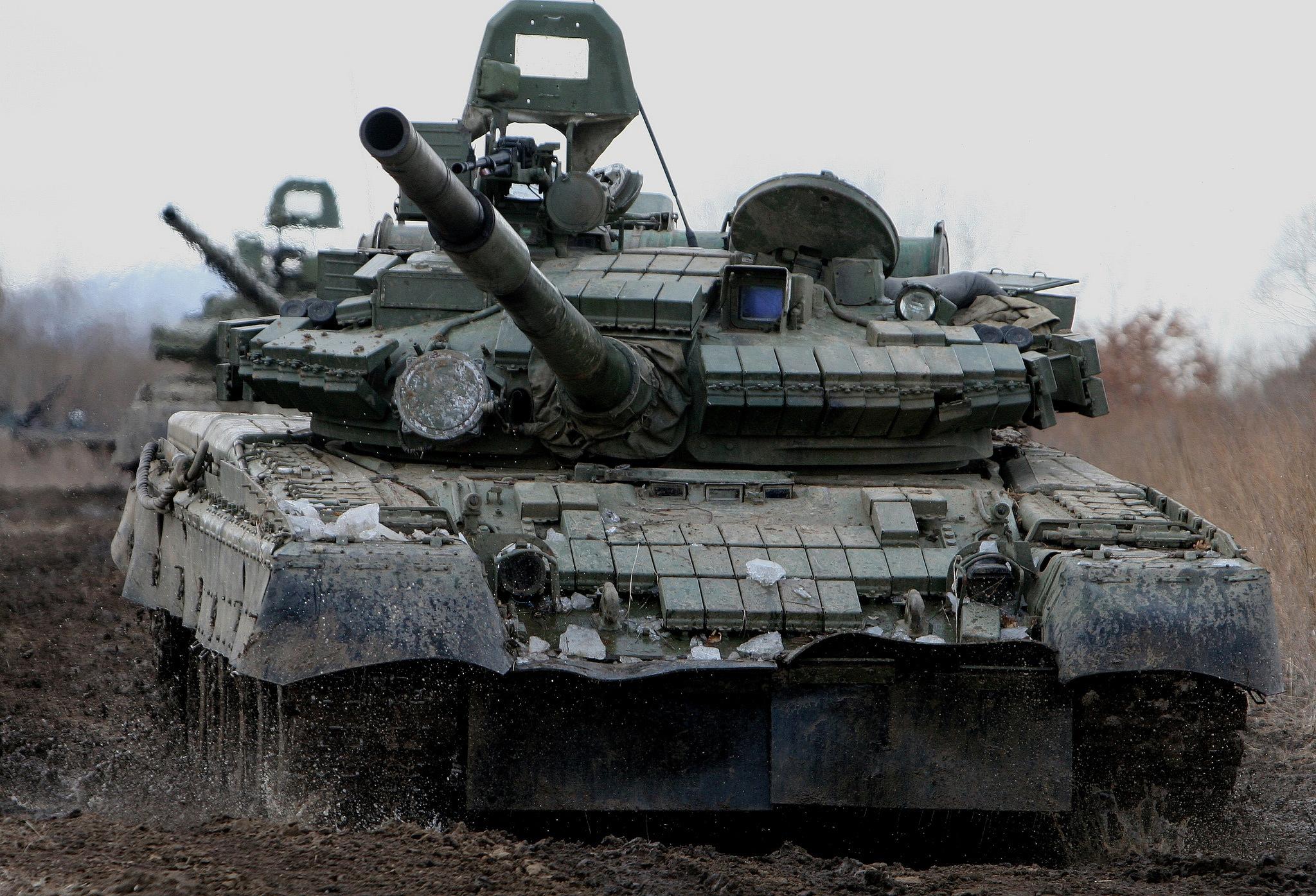 t-80bv-boevoy-tank-dulo-gryaz-7582.jpg