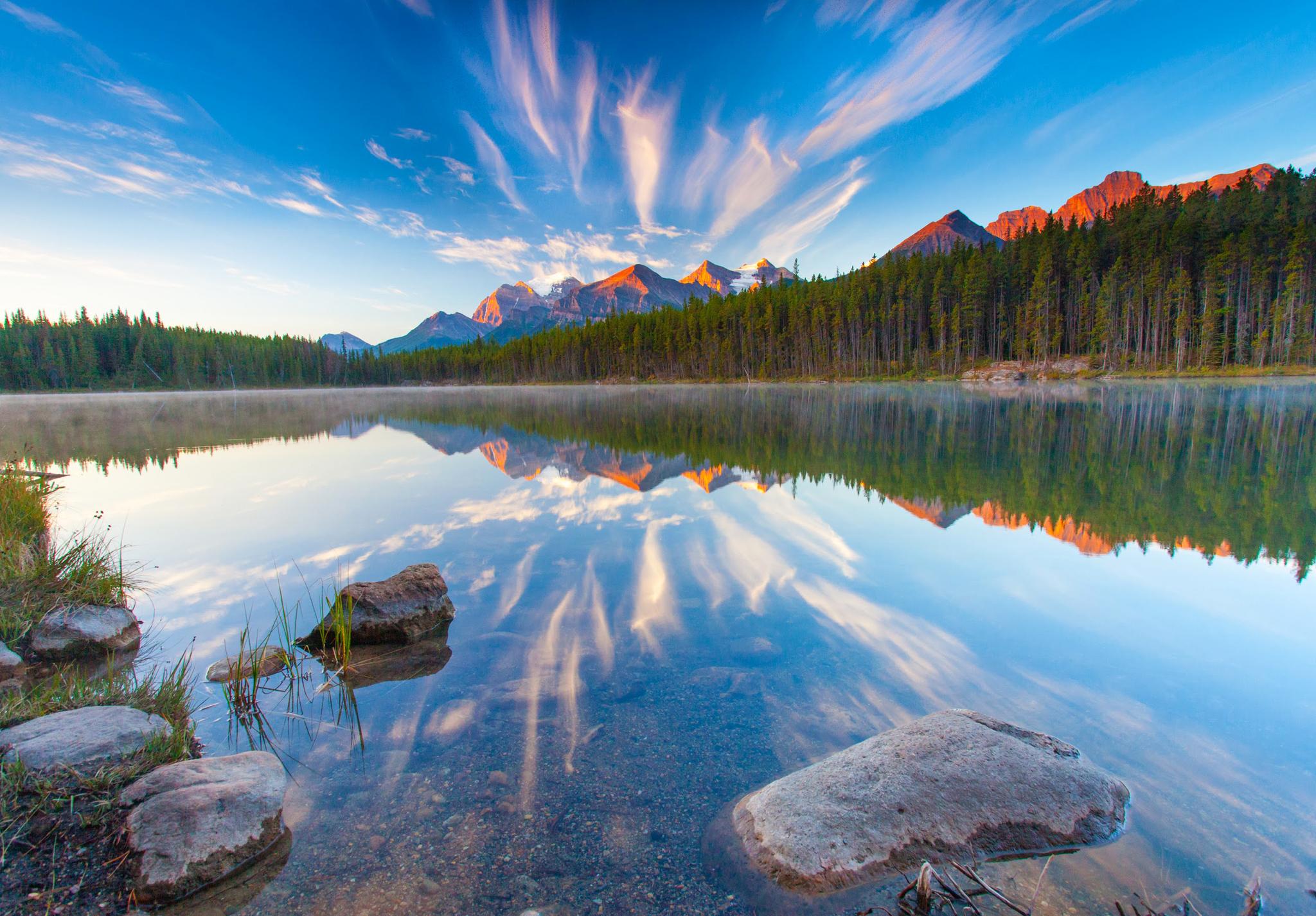 Горы, небо, лес, облака, камни  № 3240794 без смс