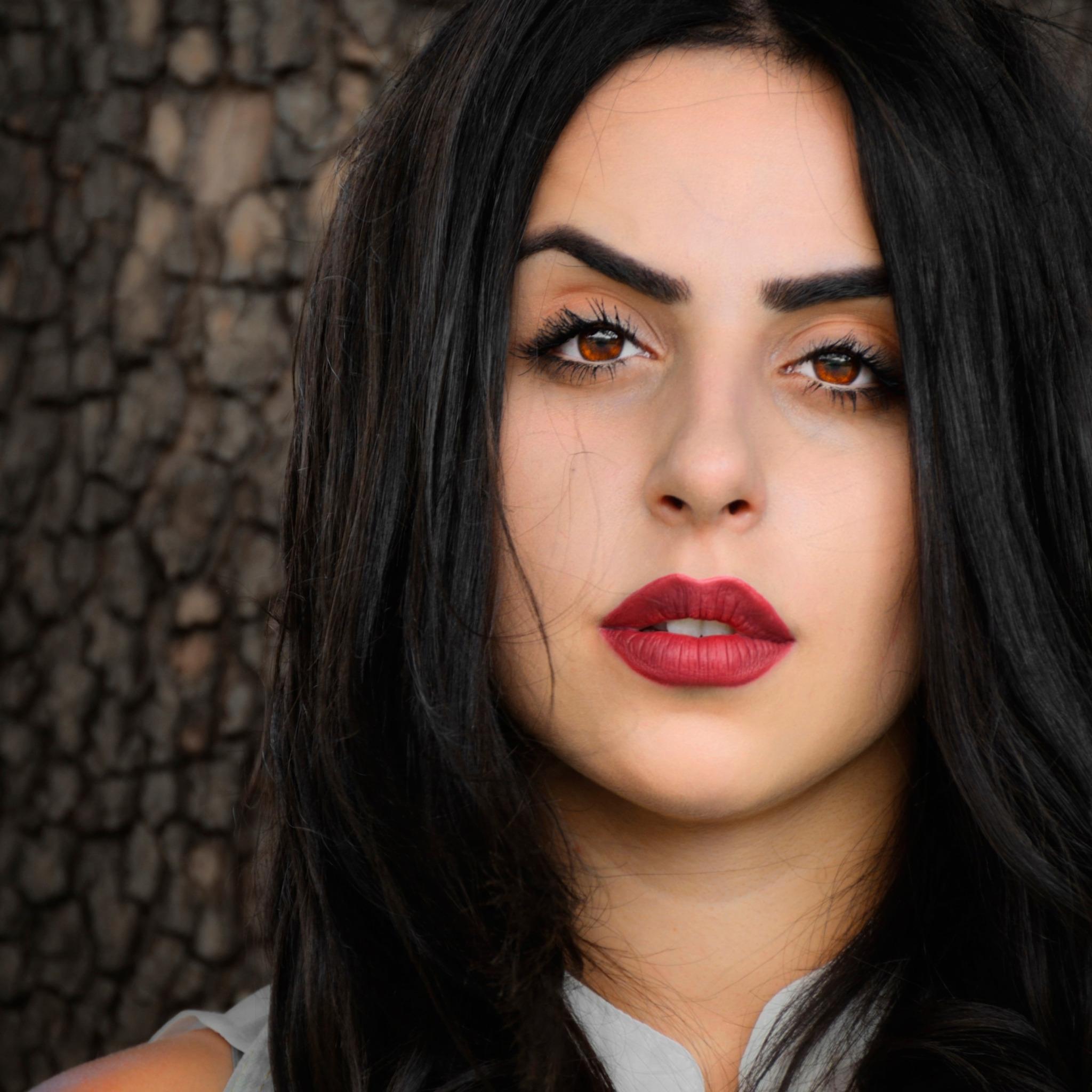 фото армянок с наглым лицом