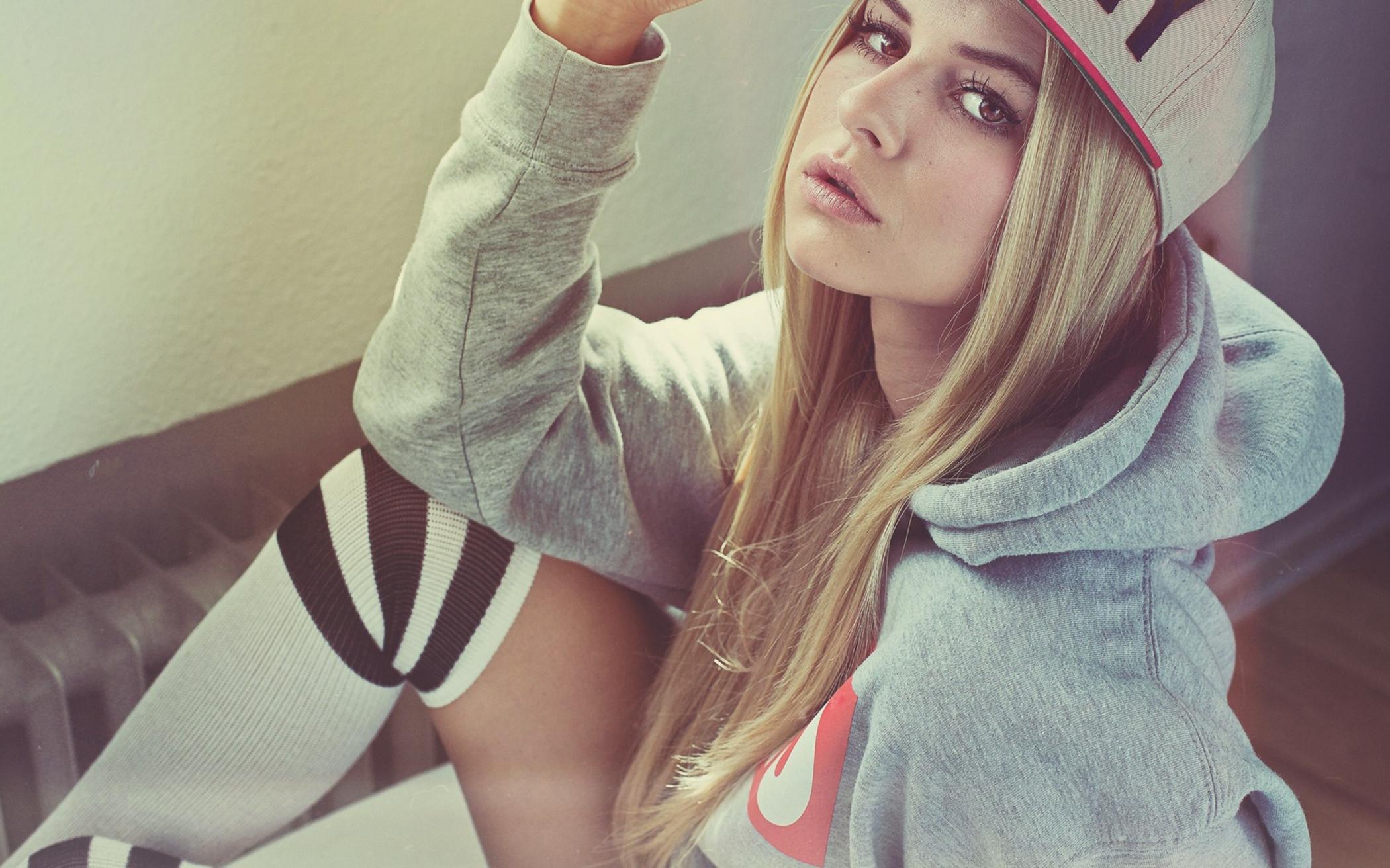 Для парней, самые красивые картинки для девушек на аву вконтакте