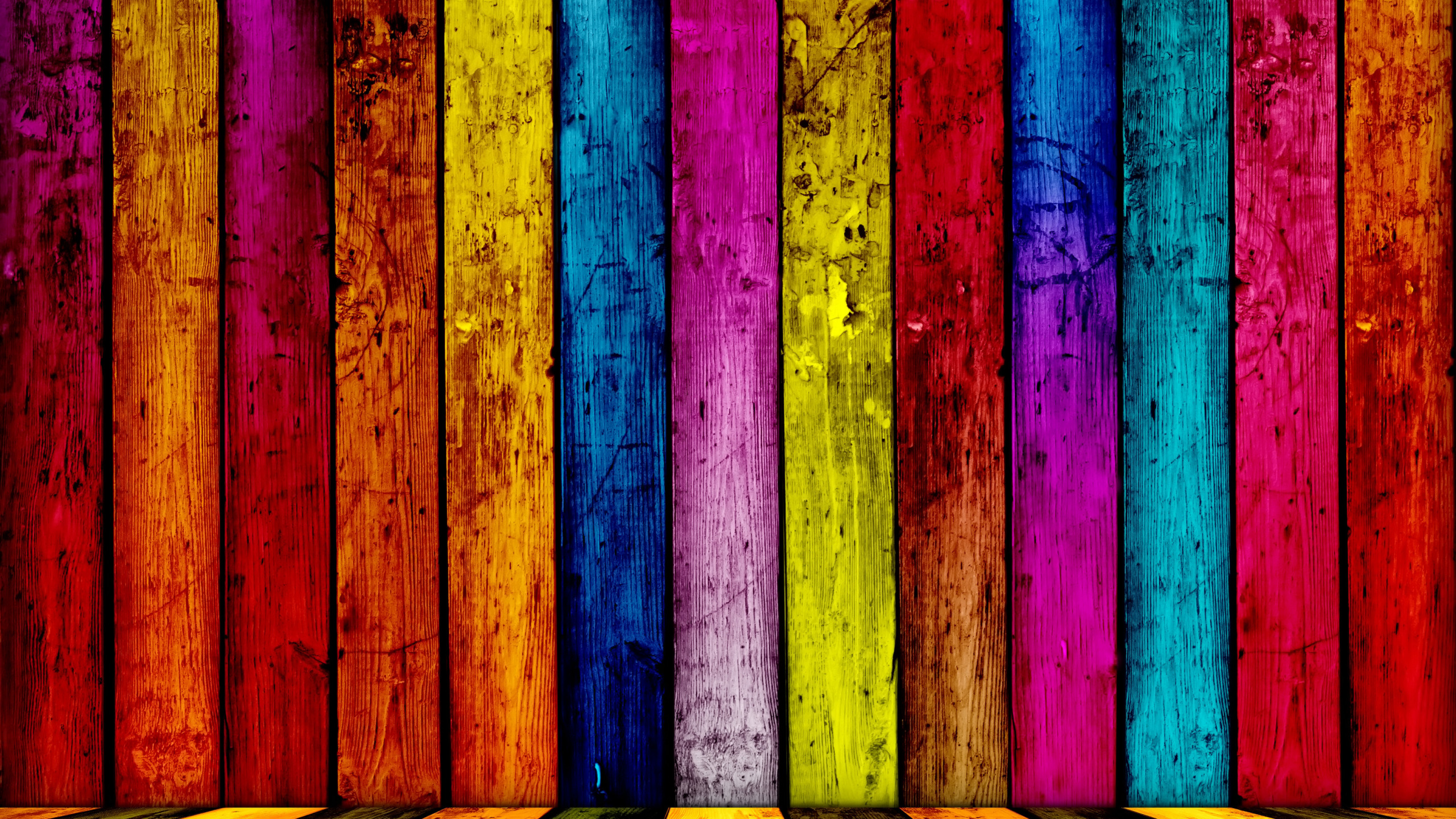 этой картинка разноцветных досок здания выполнен