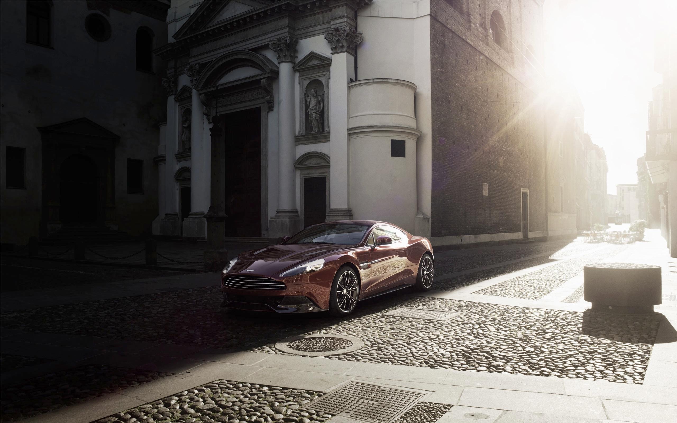 Aston Martin суперкар ночь город  № 2374871 бесплатно