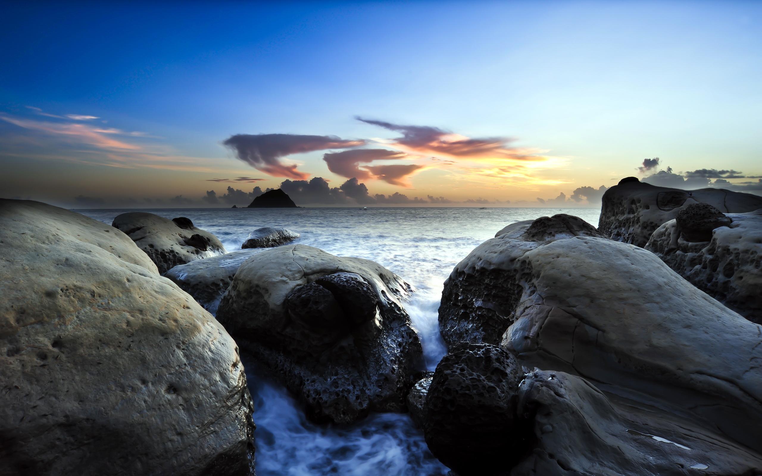 камни небо море  № 1491345 без смс