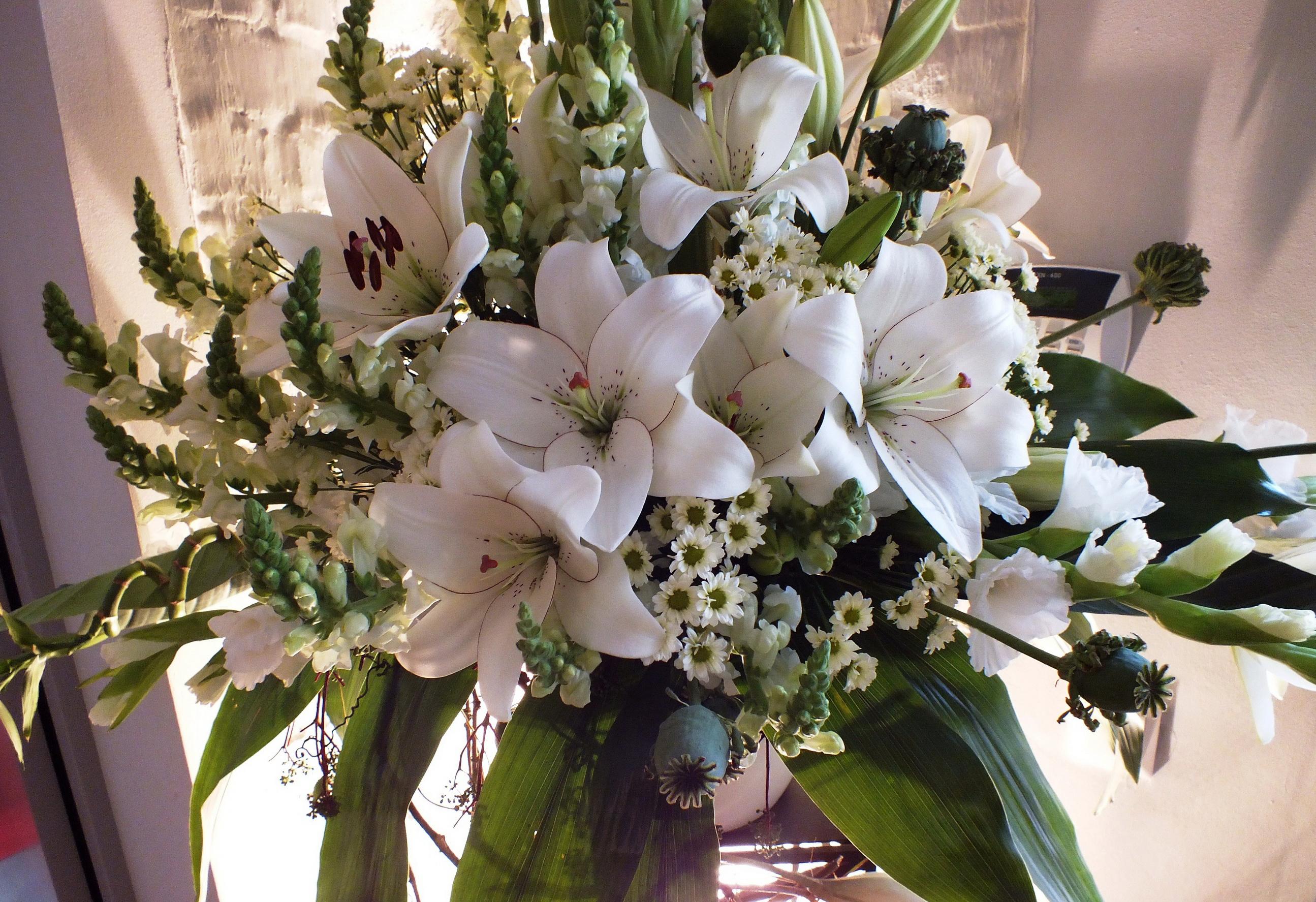 красивый букет цветов фото лилии подробнее остановимся технических