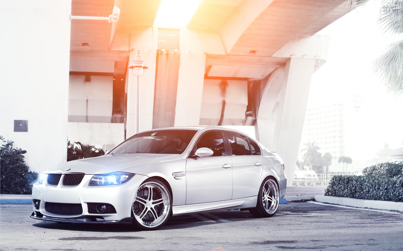 серо-белая BMW  № 477548 бесплатно