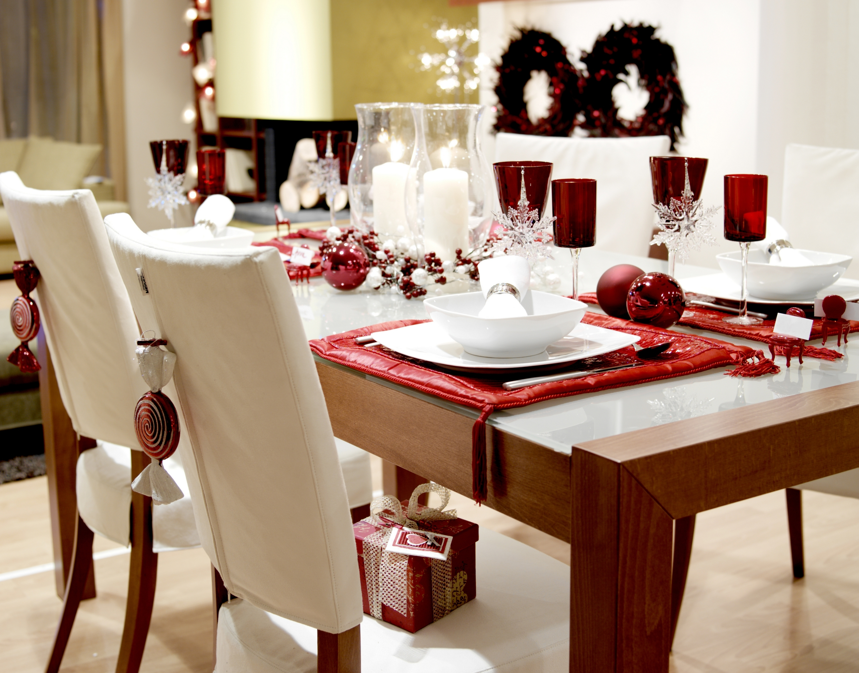 Новогодний стол красный стиль фото