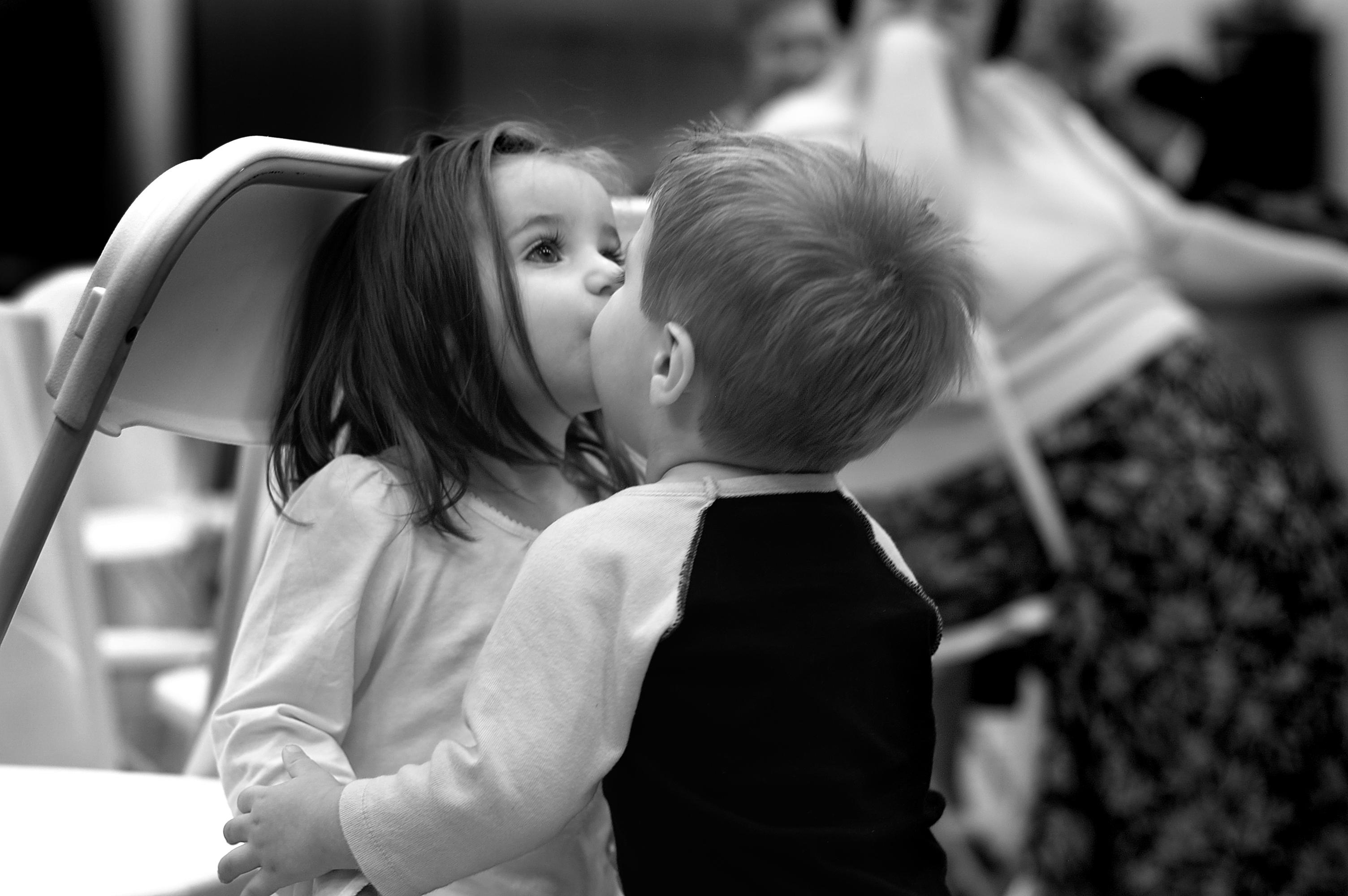 Прикольные картинки мальчик и девочка, яндексе вставить открытку