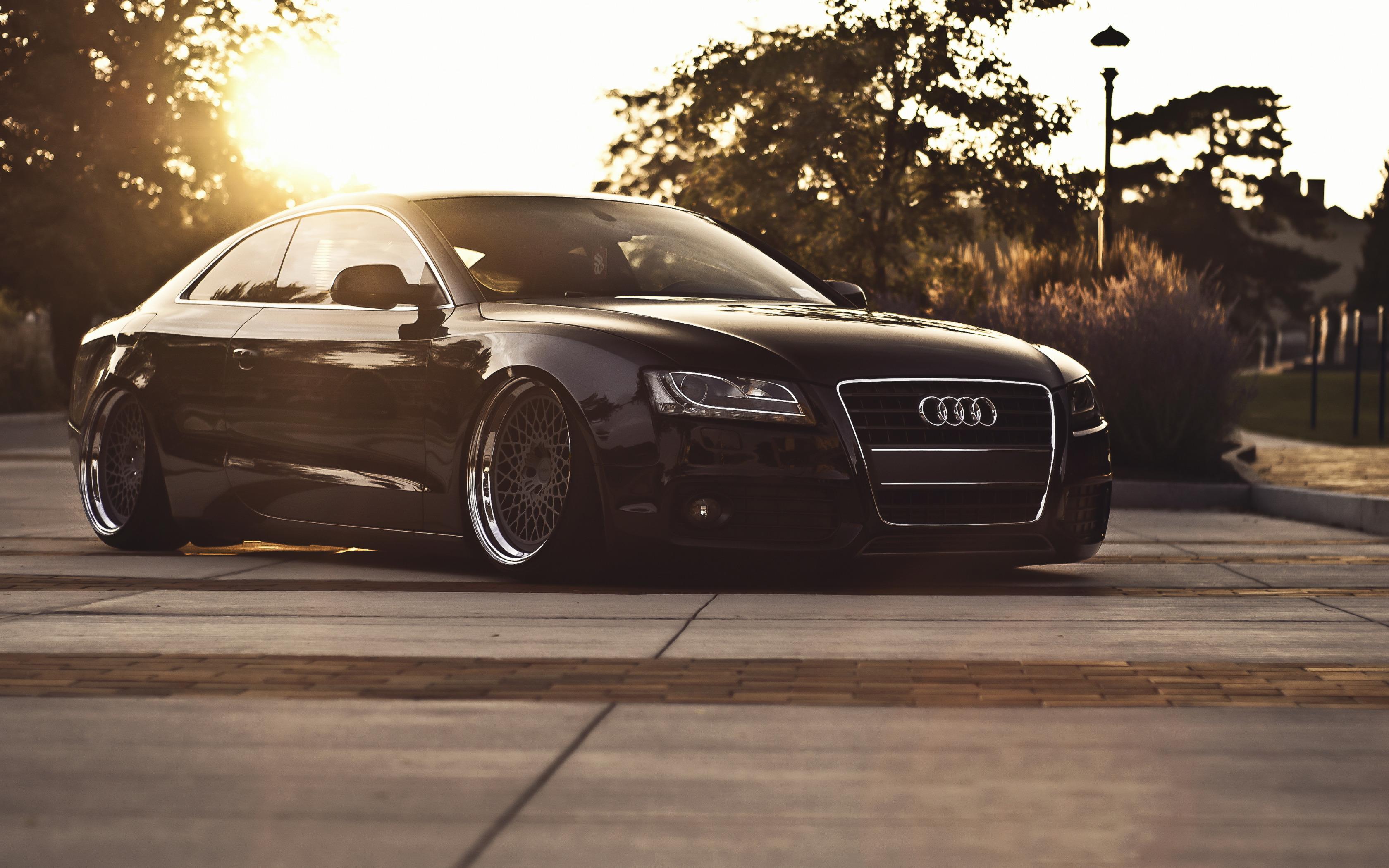 Audi S5 здание освещение  № 2217170 без смс