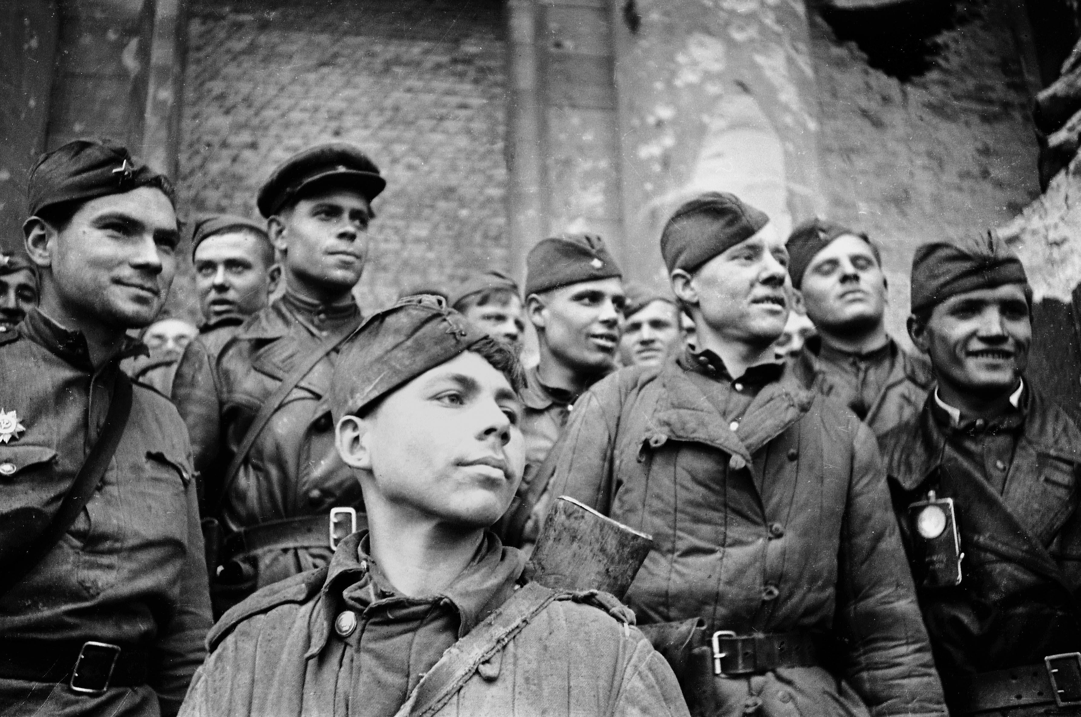 Картинки военного солдата вов, племянника открытки фото