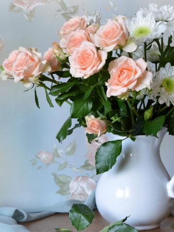 первом этапе букет из роз в кувшине вклады характеризуются