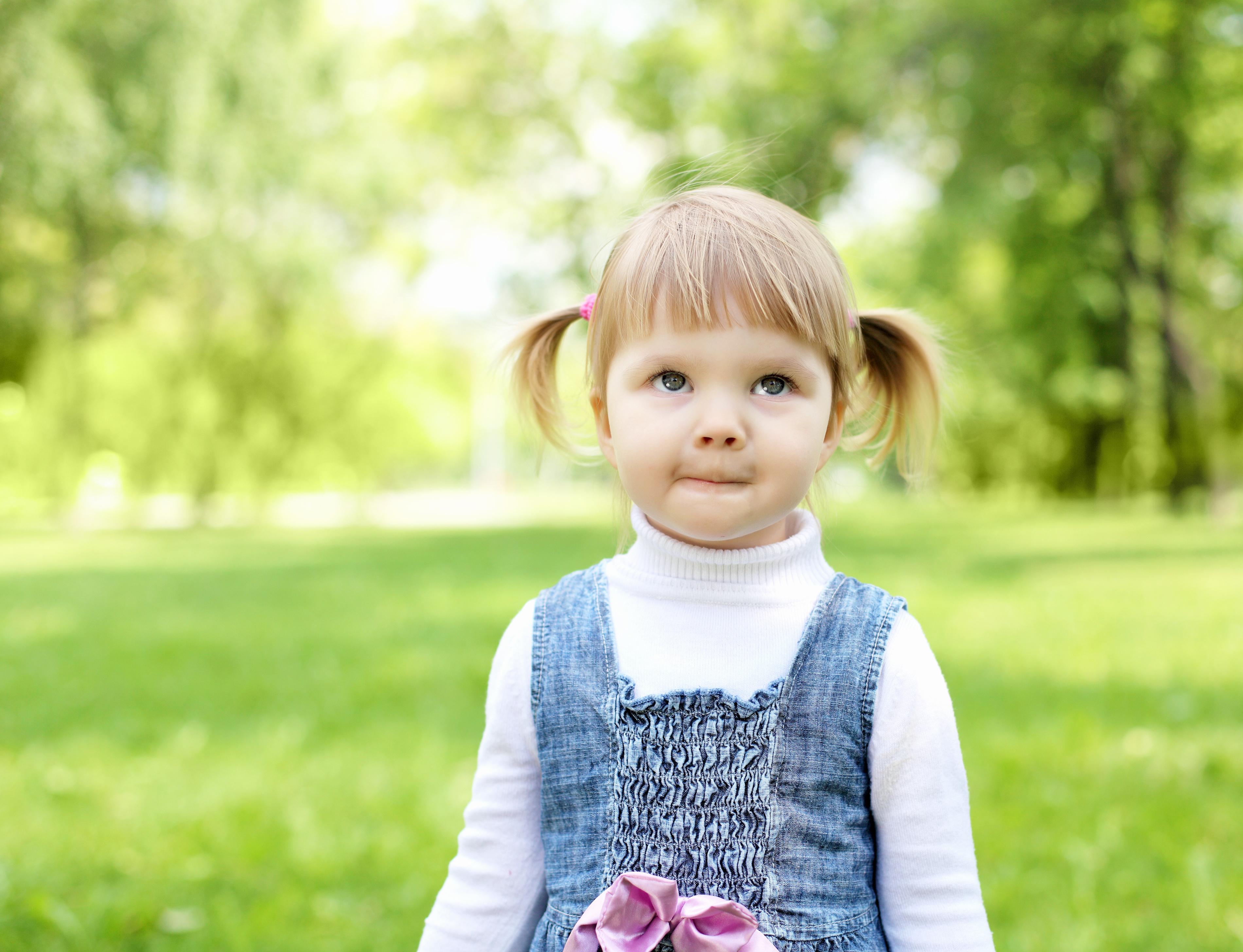happy little girl - HD2560×1600