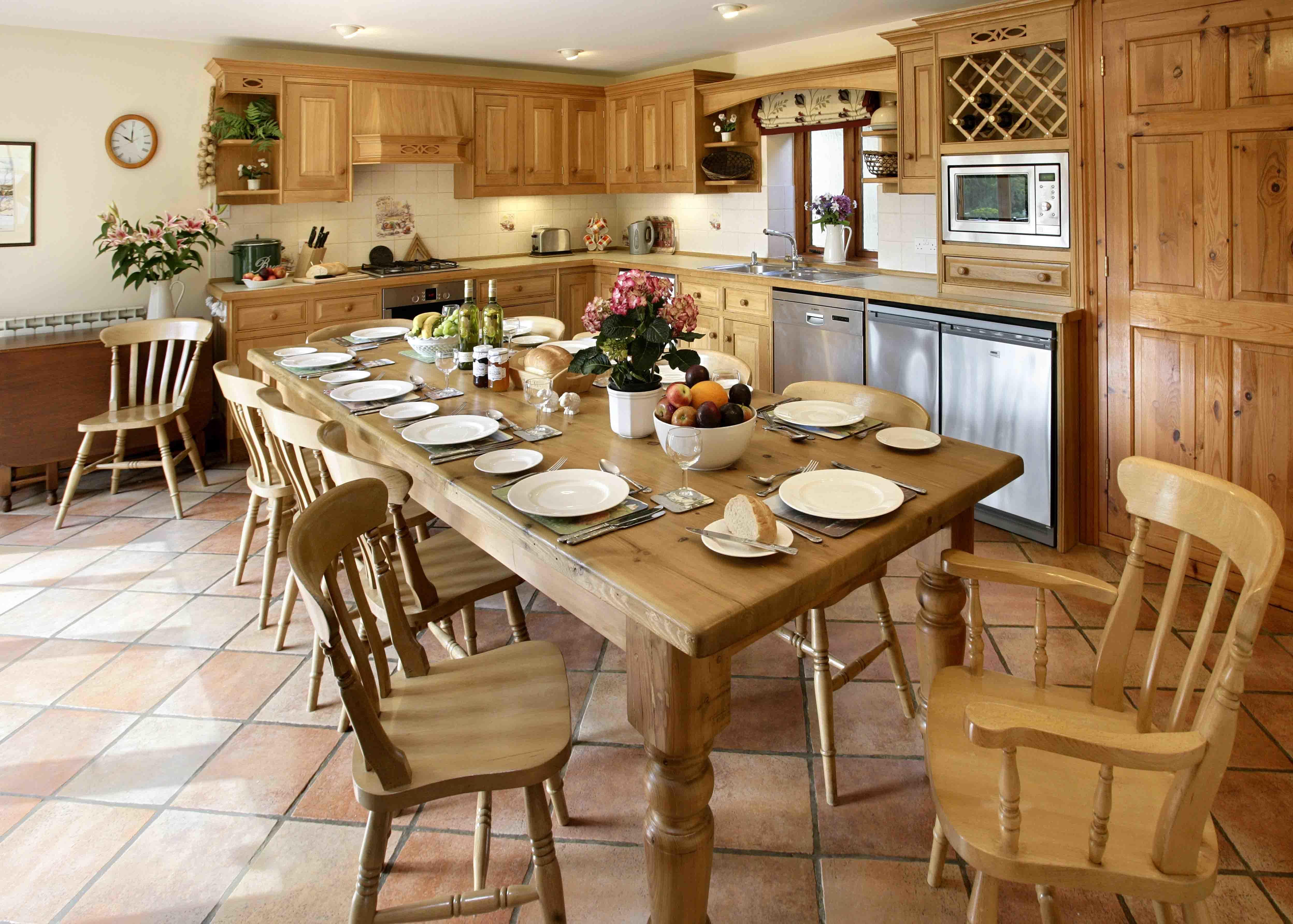 расцветают картинки кухни столовые чем решать, каким