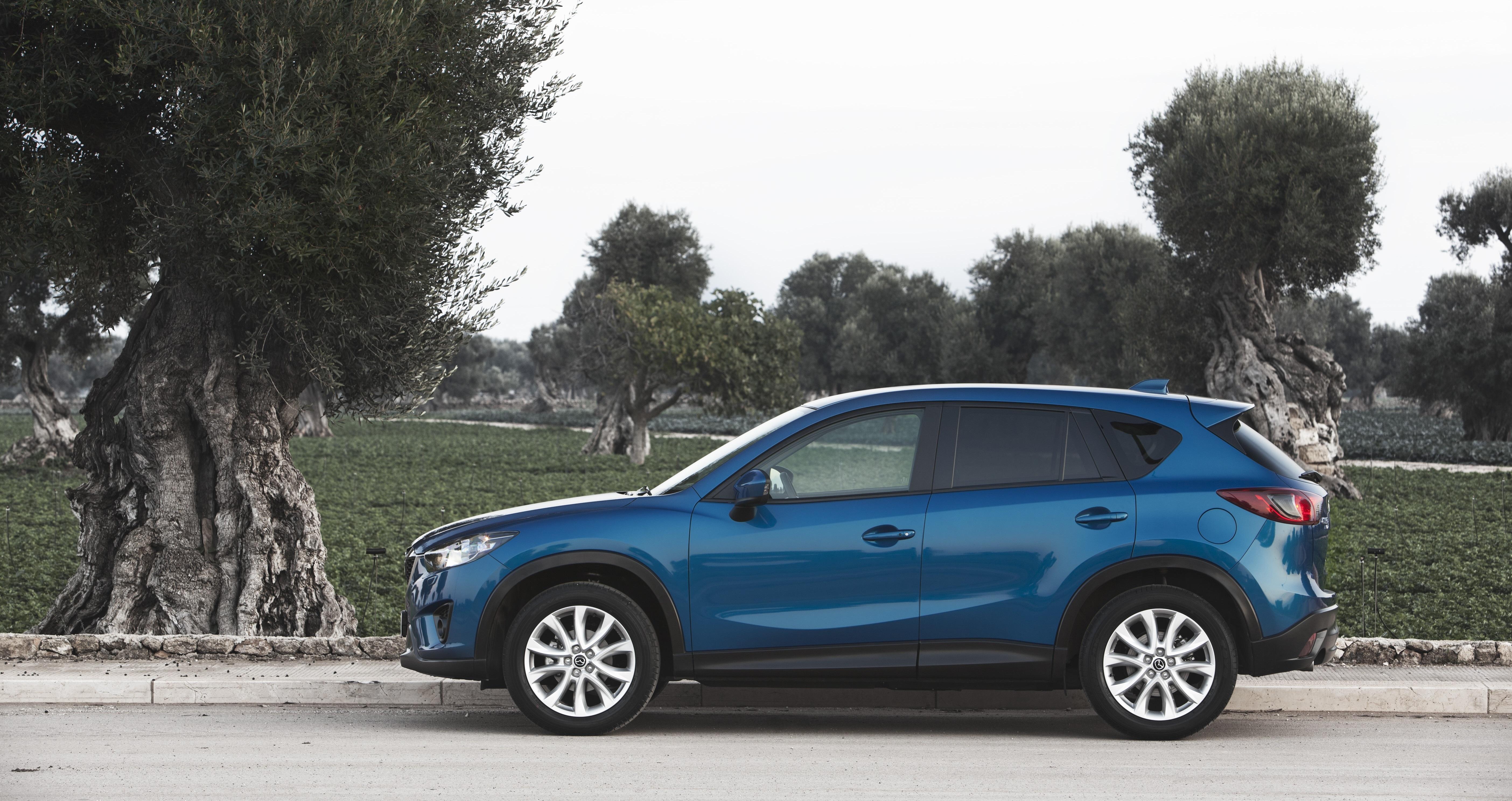 синий автомобиль mazda cx5  № 295205 без смс