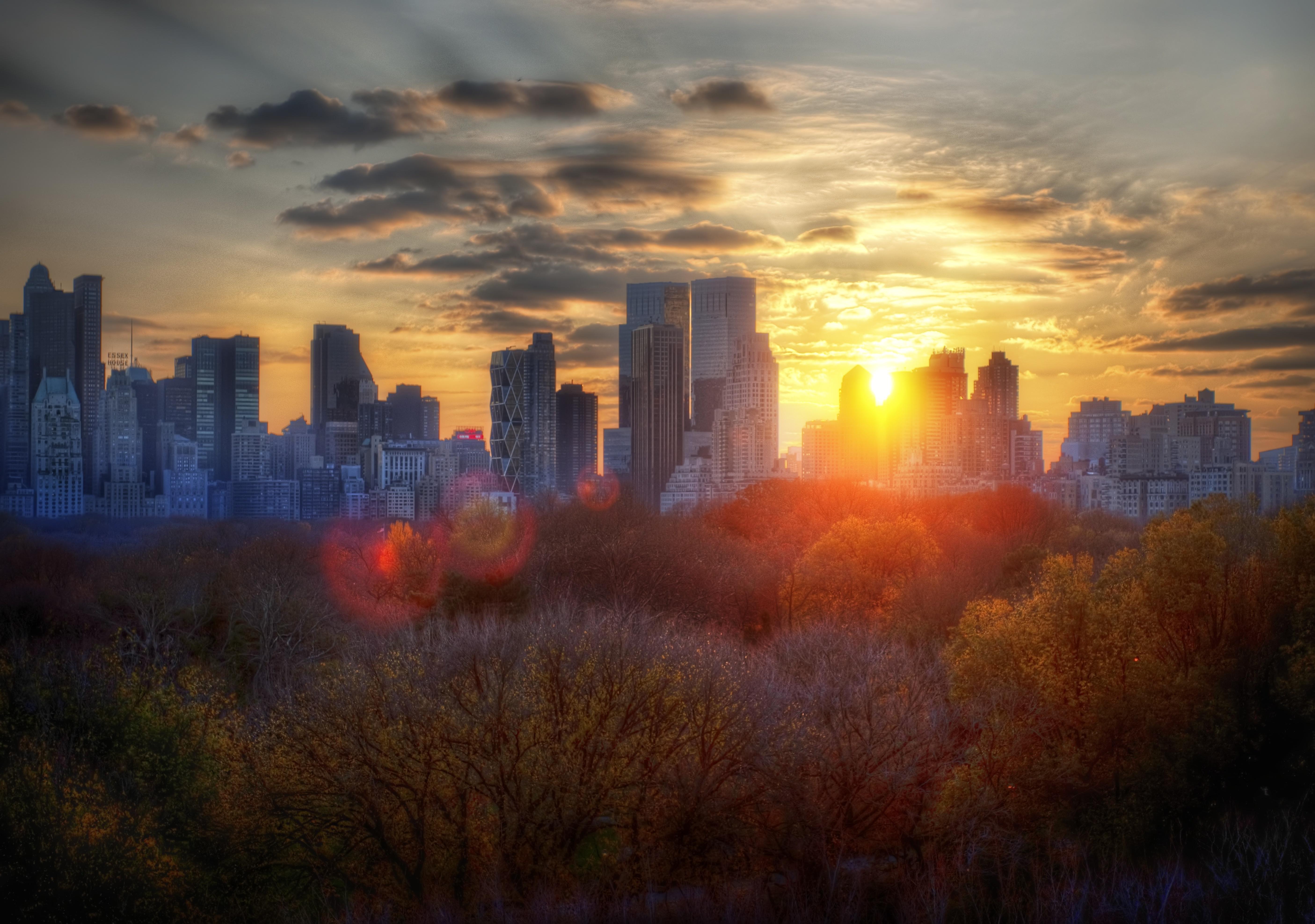 красивая картинка заката в городе работы, высокие бордюры