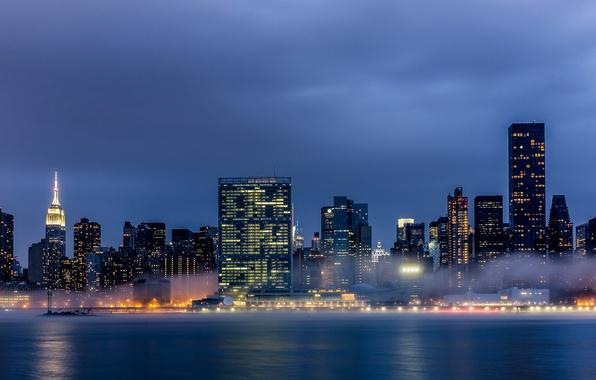 Картинка город, огни, туман, здания, Нью-Йорк, небоскребы, вечер, USA, Манхэттен, New York, Manhattan, NYC, New York …