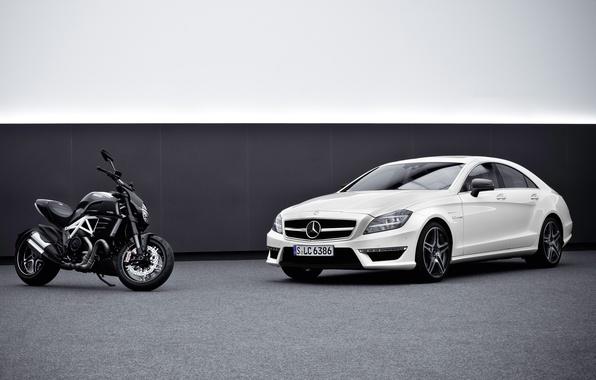 Картинка машина, фон, Mercedes-Benz, мотоцикл, мерседес, AMG, передок, ducati, and, амг, цлс63, diavel, CLS63, дукати, дивел