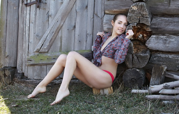 russkoe-derevenskoe-lyubitelskoe-seks-s-buhgalterii-video