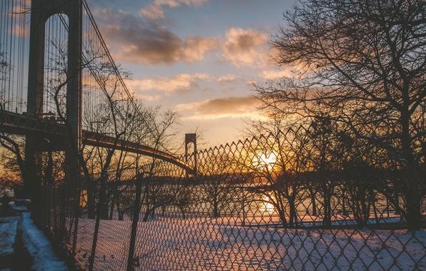 Картинка зима, солнце, облака, снег, закат, река, забор, Нью-Йорк, Соединенные Штаты, Ист-Ривер, Лонг-Айленд, Квинс, Бронкс-Уайтстон моста, …
