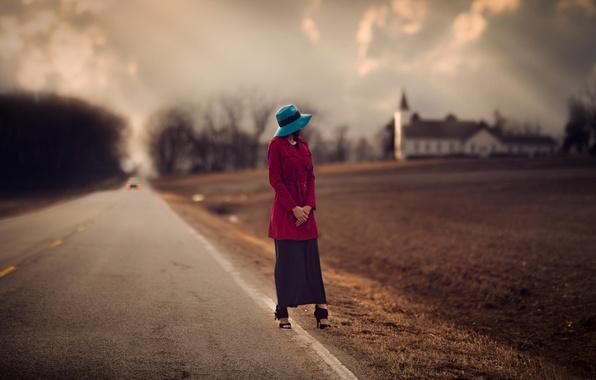 Картинка дорога, девушка, размытие, церковь, шляпка, обочина, пашня